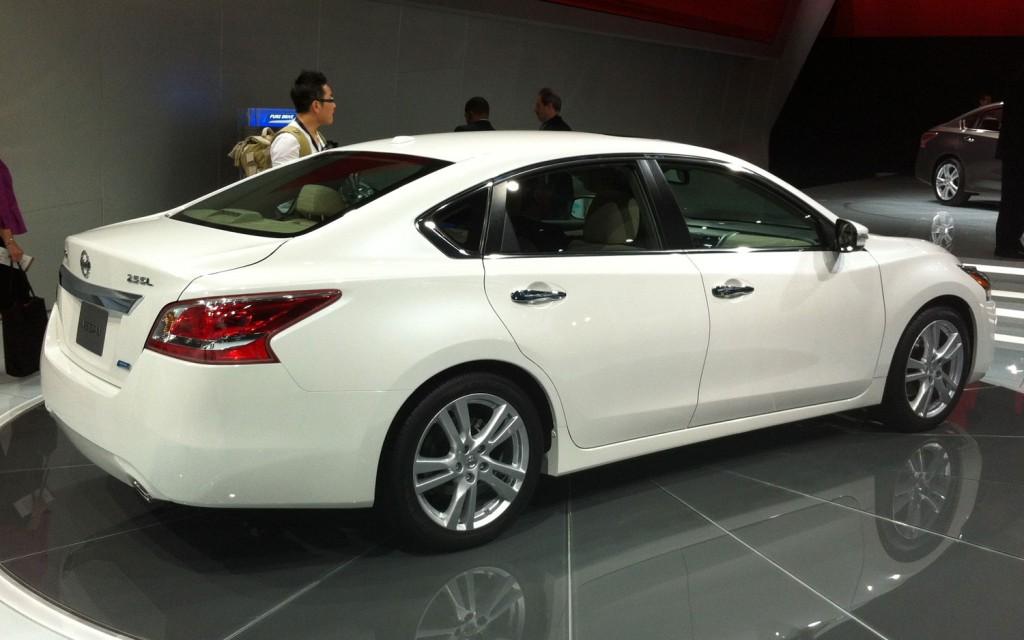 2013 Nissan Altima Image 21