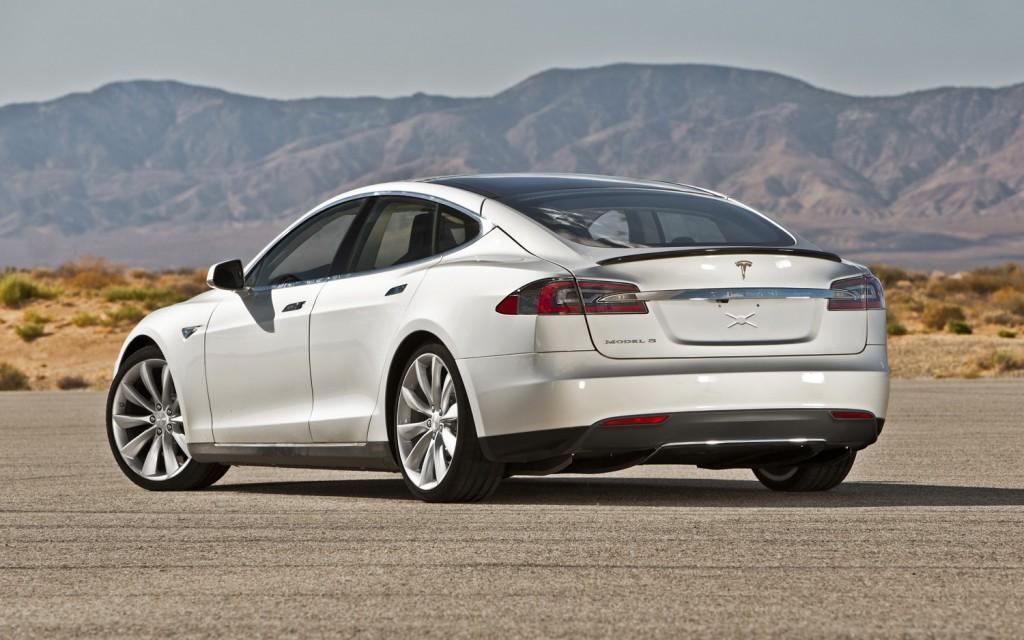 2013 Tesla Model S Image 16