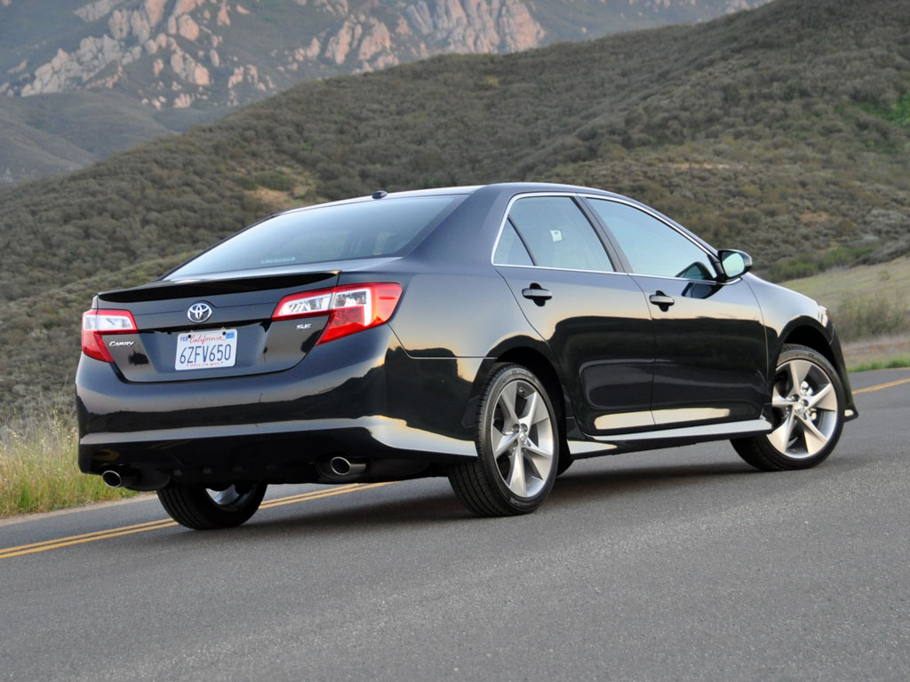2013 Toyota Camry Information And Photos Zombiedrive