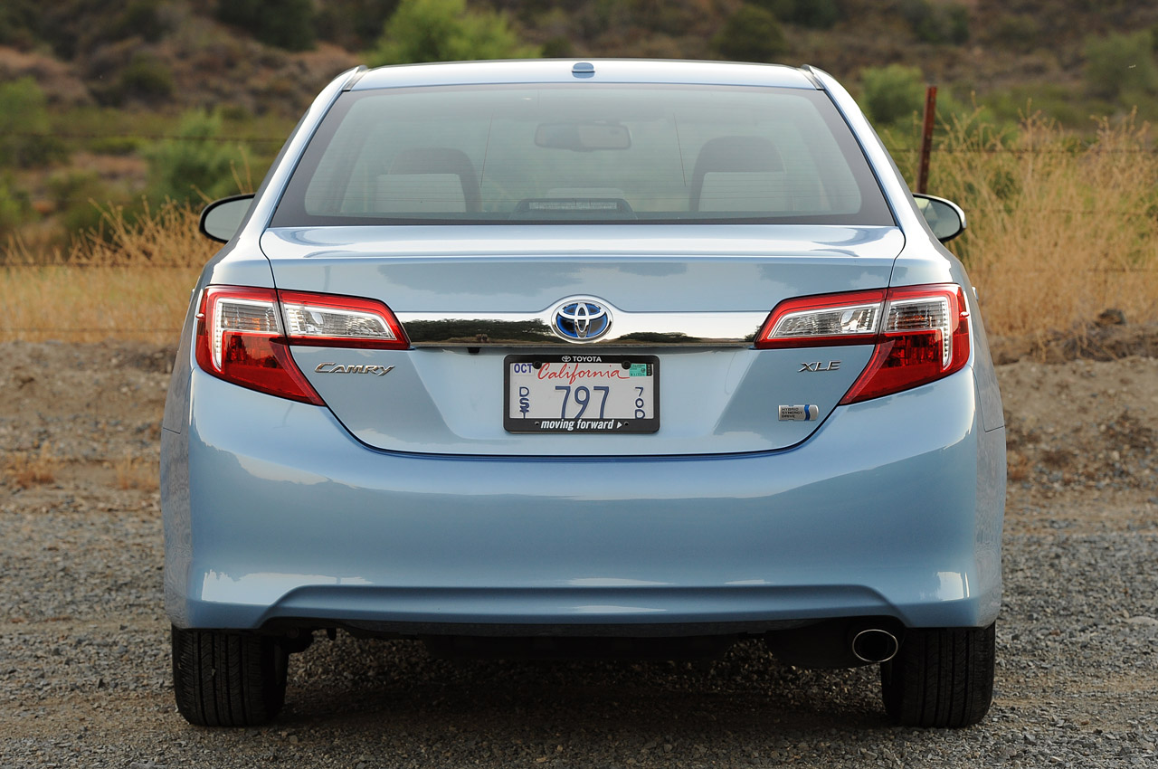 2013 Toyota Camry Hybrid   Information And Photos   ZombieDrive