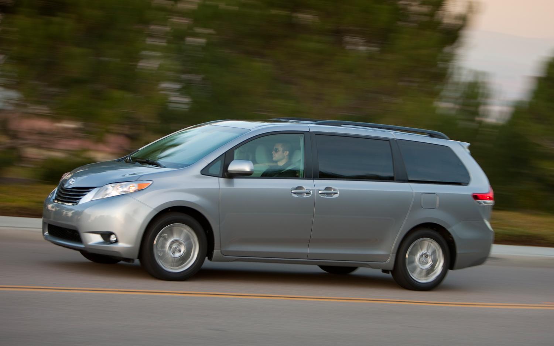 2013 Toyota Sienna Image 15