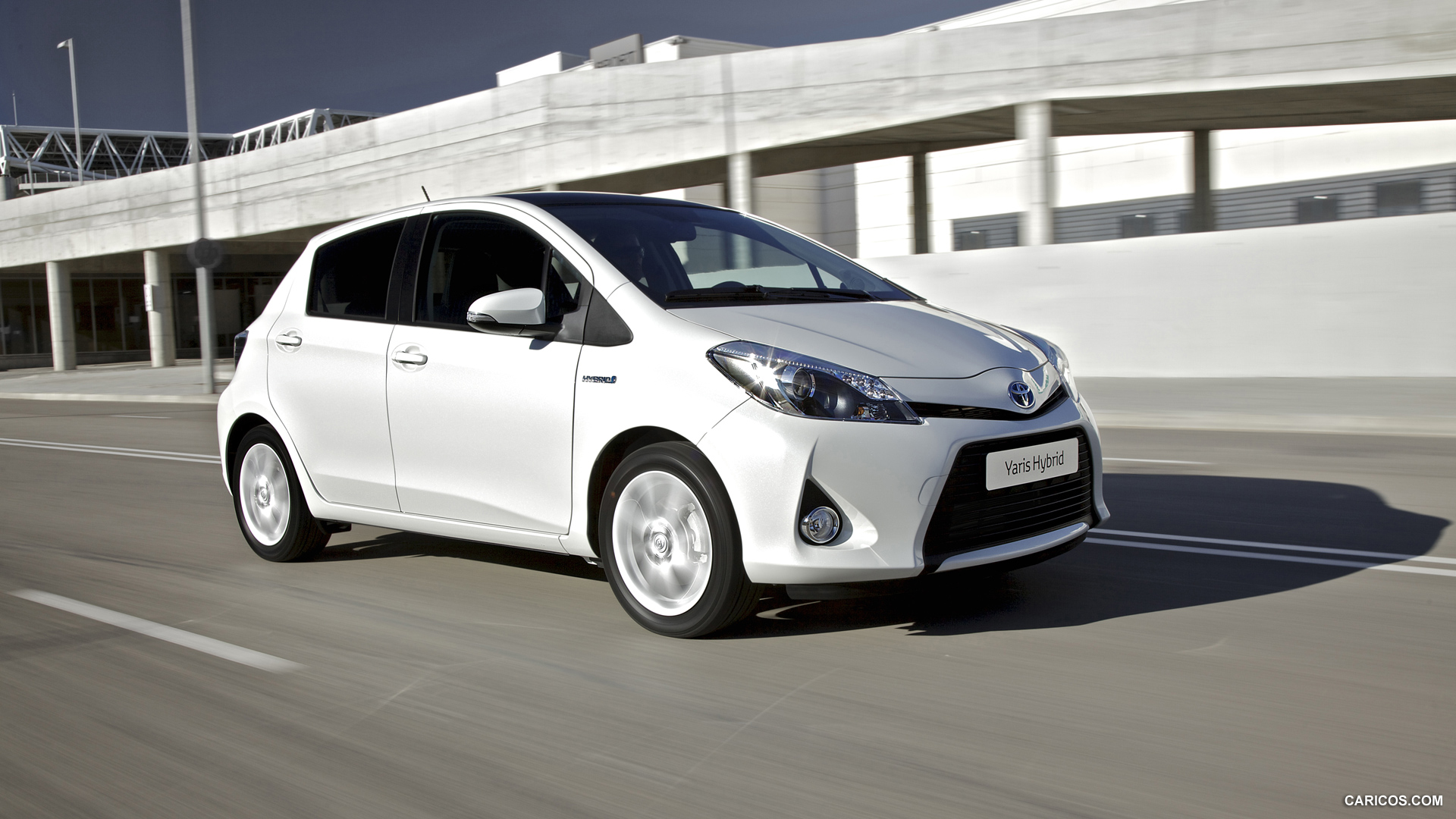 2013 toyota yaris information and photos zombiedrive. Black Bedroom Furniture Sets. Home Design Ideas