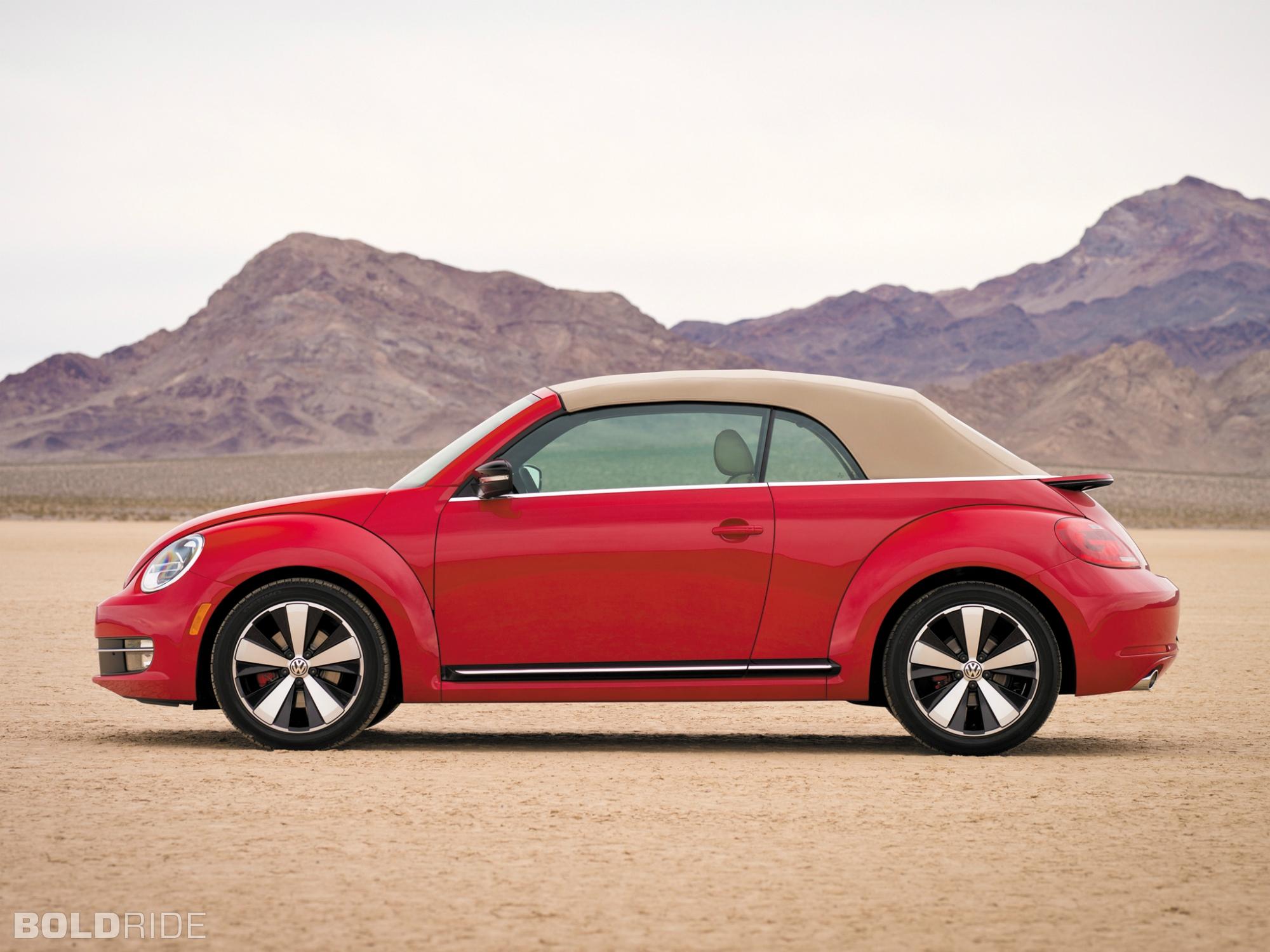 2013 Volkswagen Beetle Convertible Image 11