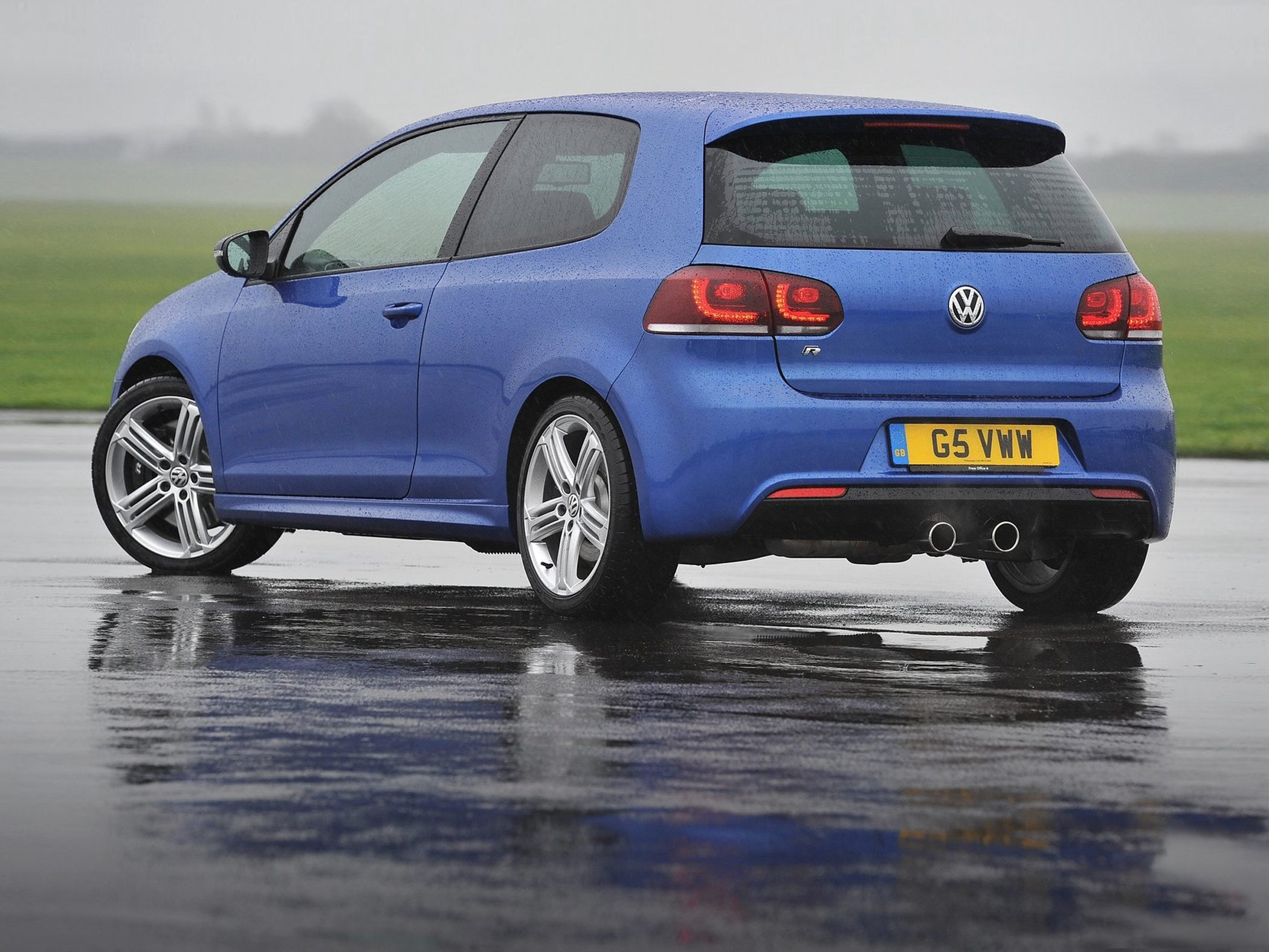 Volkswagen Golf R #20