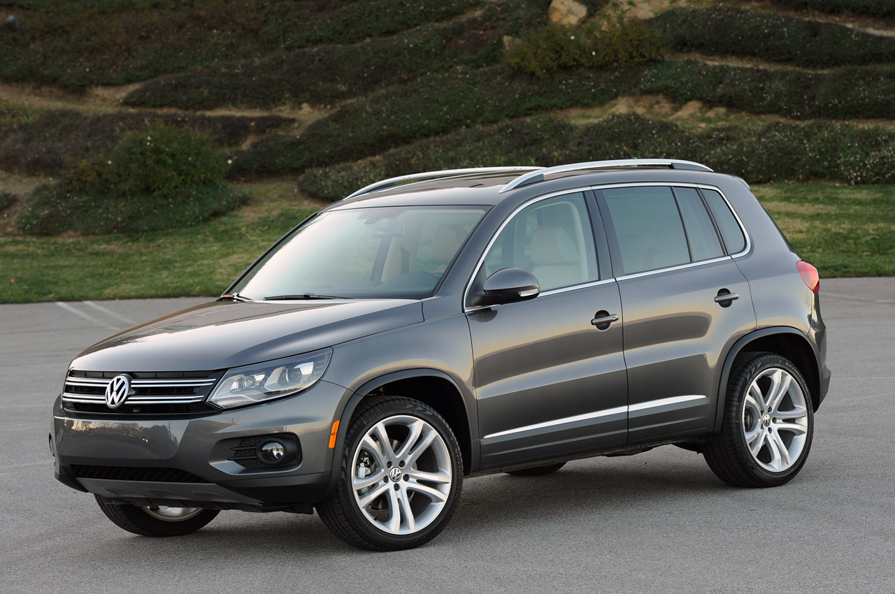 2013 volkswagen tiguan information and photos zombiedrive. Black Bedroom Furniture Sets. Home Design Ideas