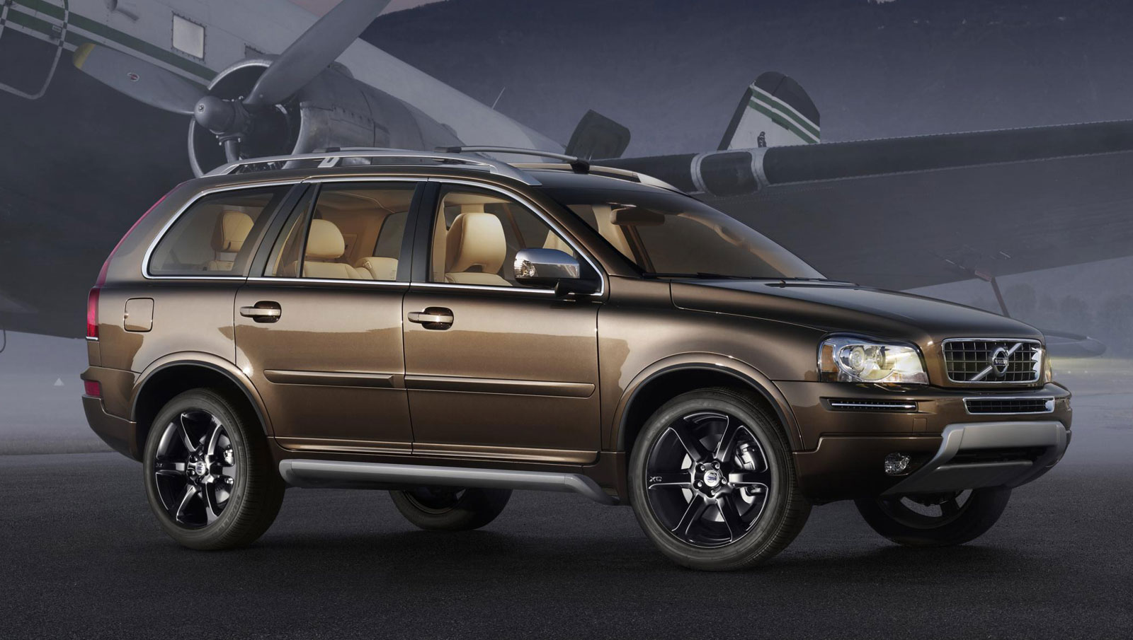 2013 volvo xc90 information and photos zombiedrive. Black Bedroom Furniture Sets. Home Design Ideas