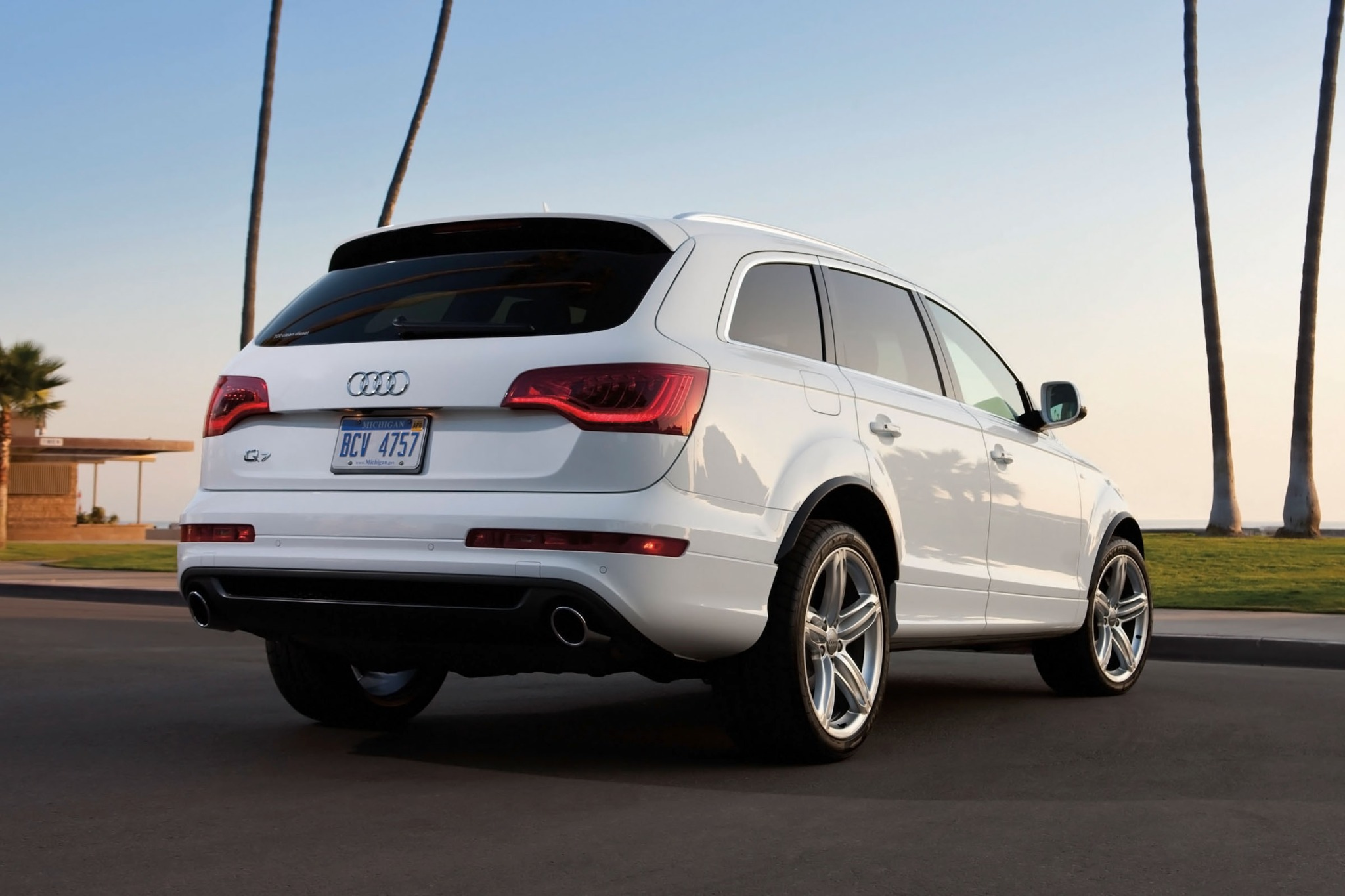 2013 audi q7 - information and photos - zombiedrive