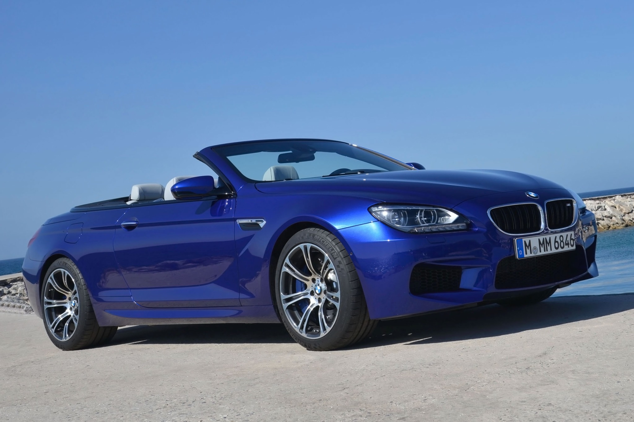2013 BMW M6 Convertible D interior #1