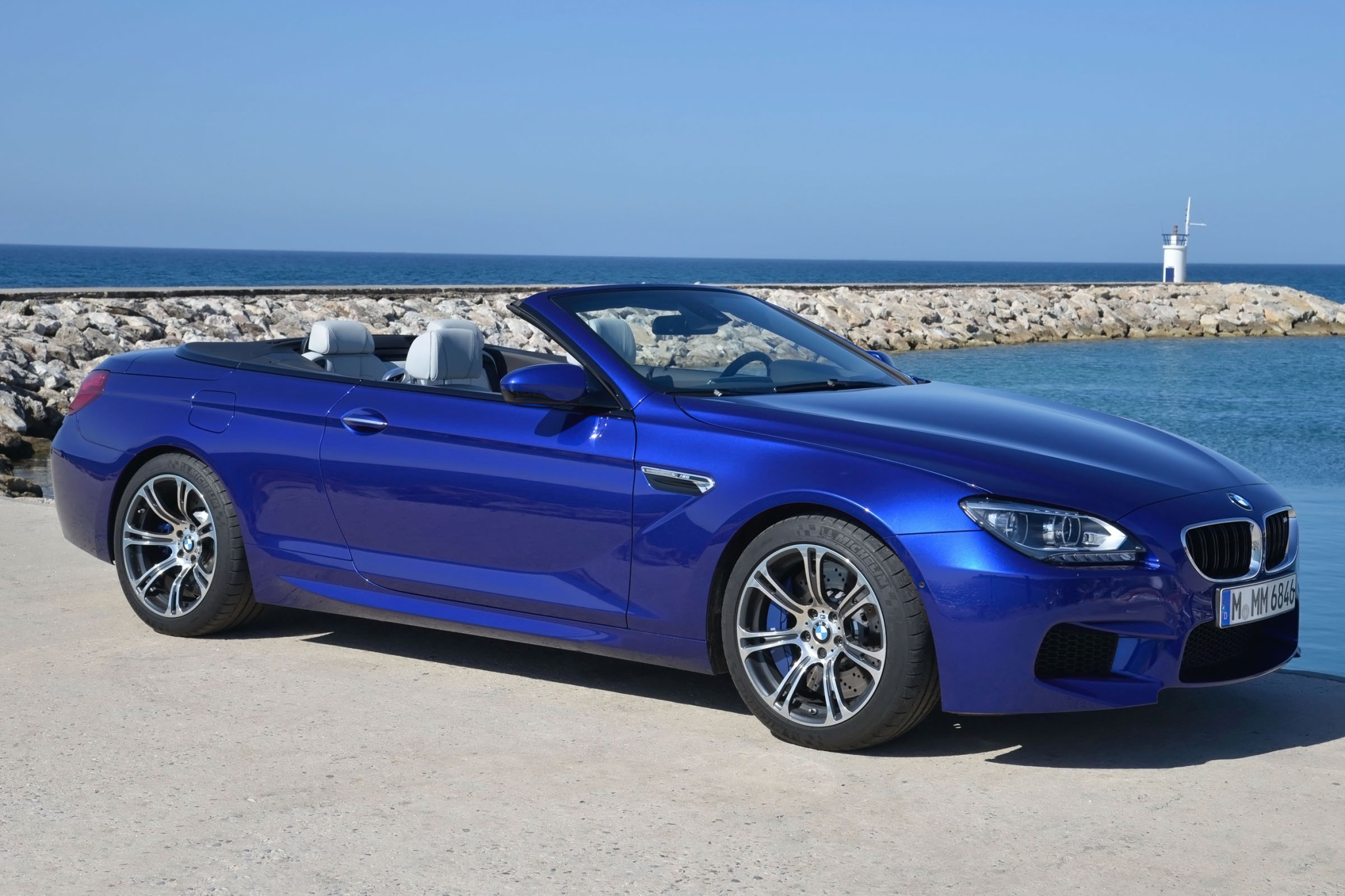 2013 BMW M6 Convertible D interior #6