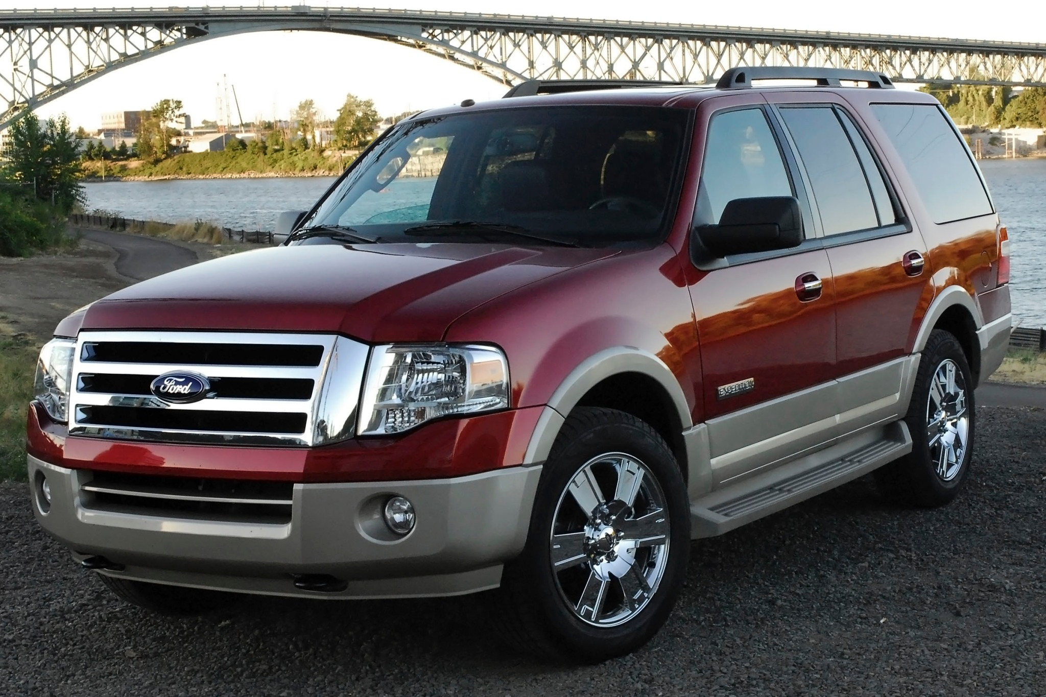 2013 Ford Expedition XLT  exterior #4