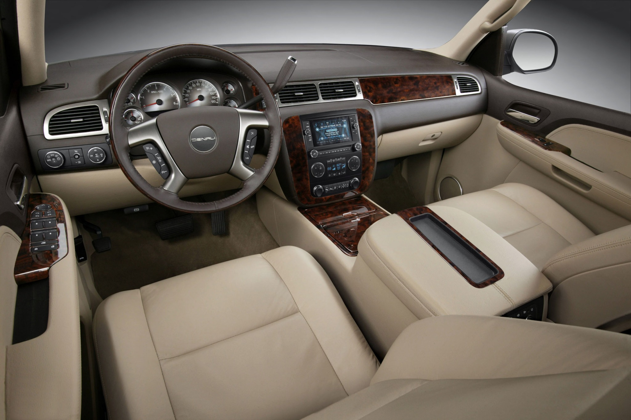 2013 GMC Yukon XL SLT 150 interior #7