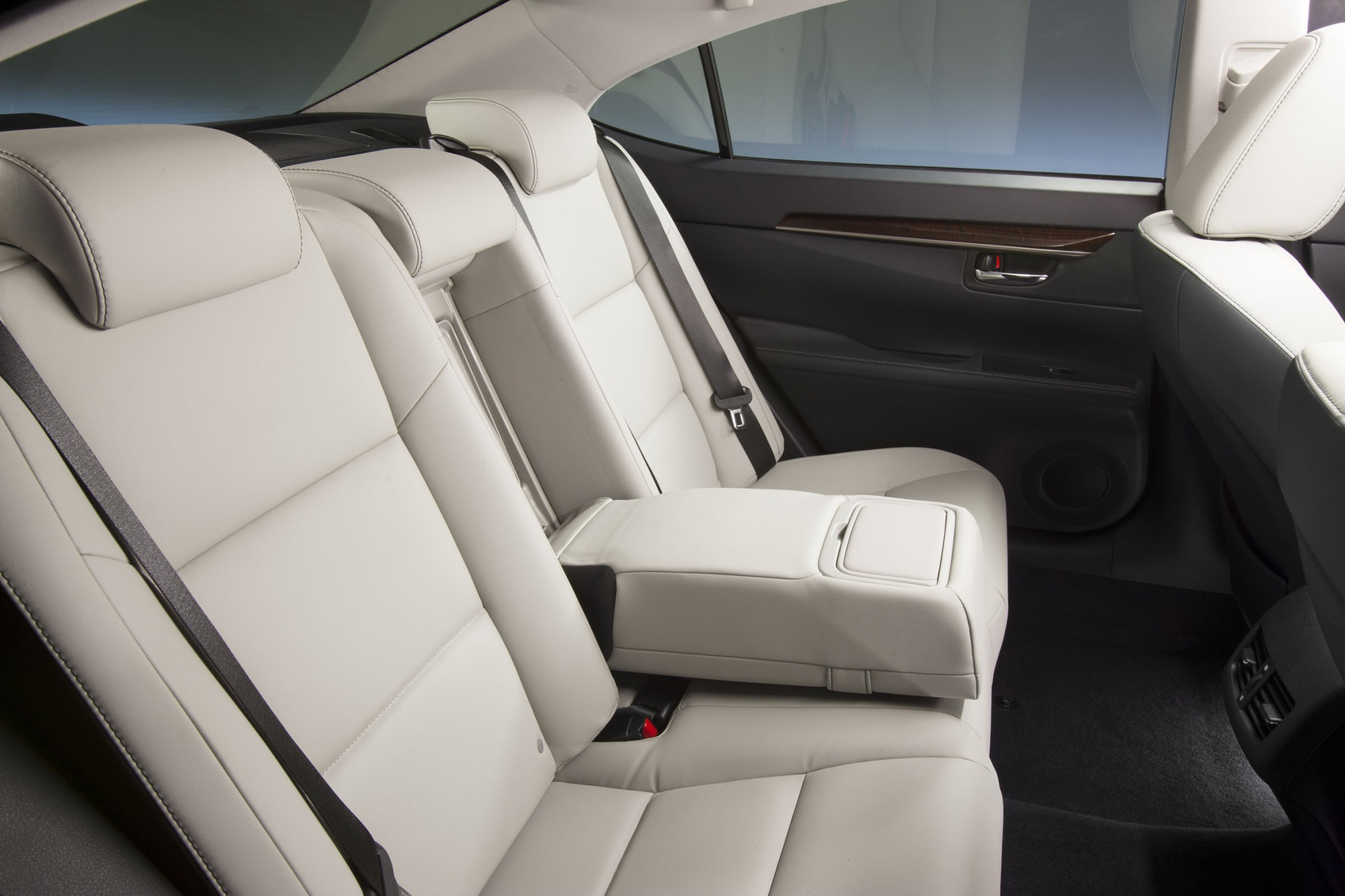 2013 Lexus ES 350 Sedan N interior #5
