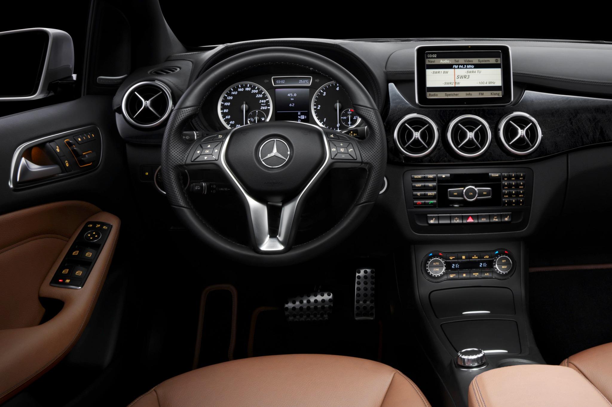 2014 Mercedes Benz B Class Electric Drive Image 5