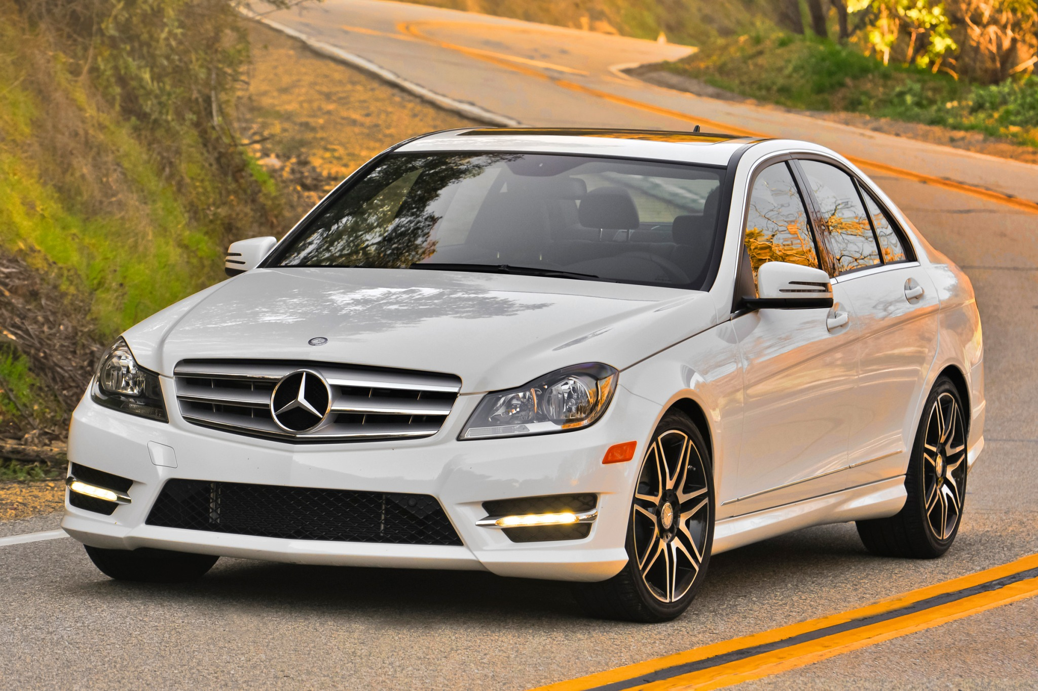 2014 mercedes benz c class image 4 for Mercedes benz schedule a