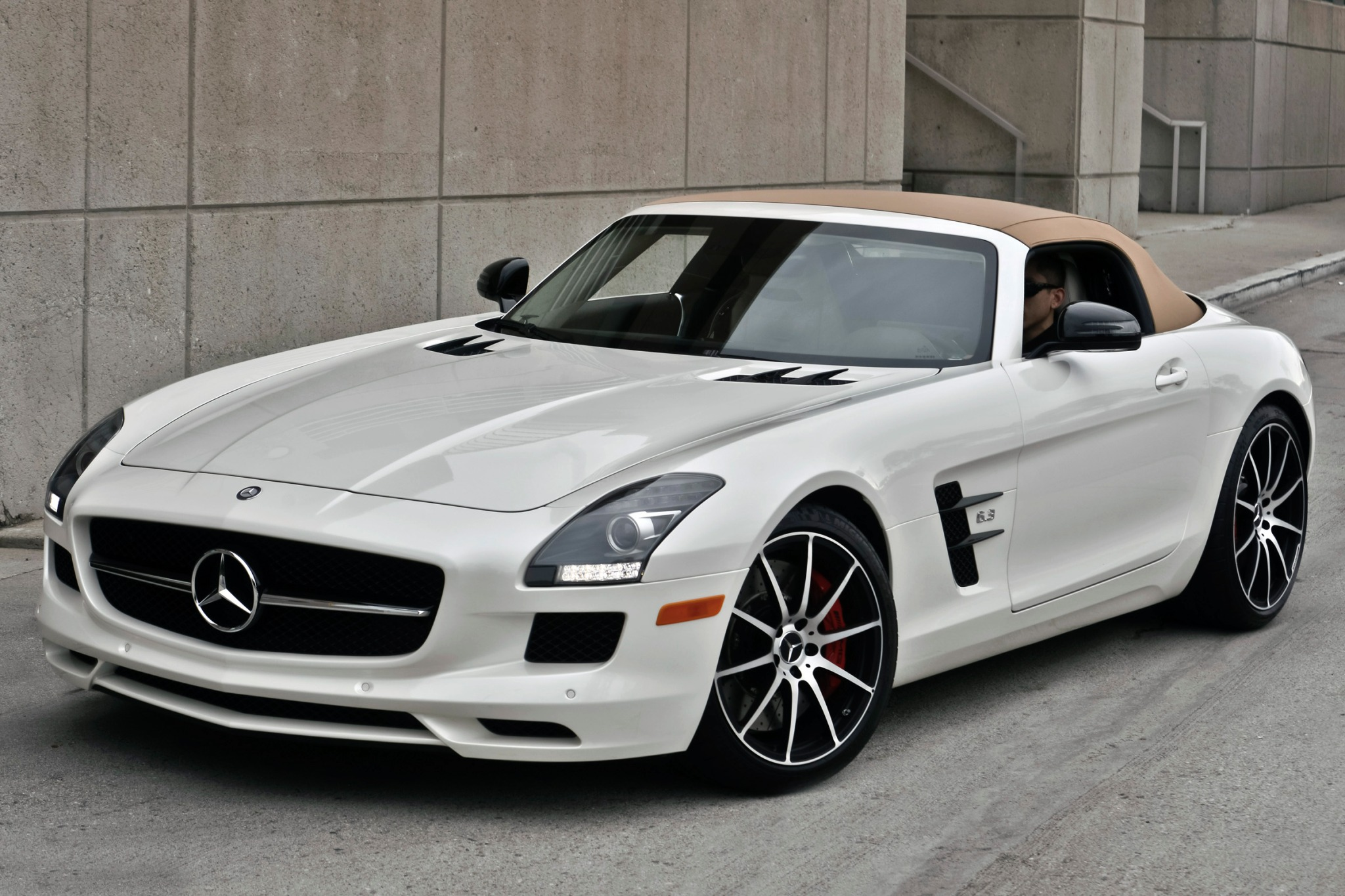 2013 Mercedes-Benz SLS AM exterior #2