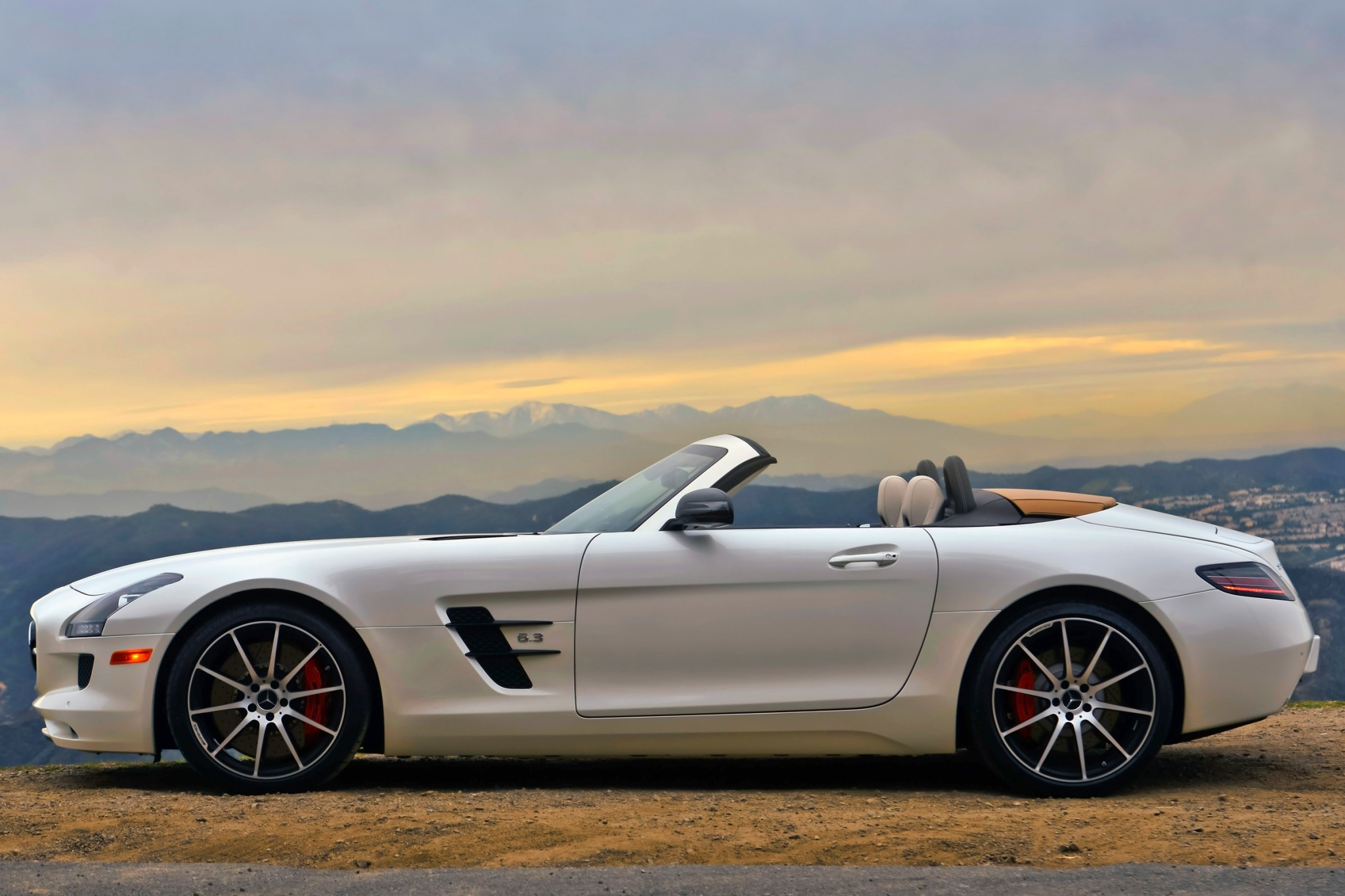 2013 Mercedes-Benz SLS AM exterior #9