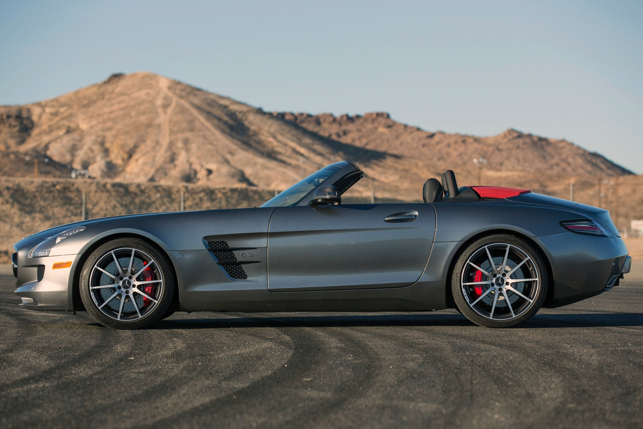 2013 Mercedes-Benz SLS AM exterior #8