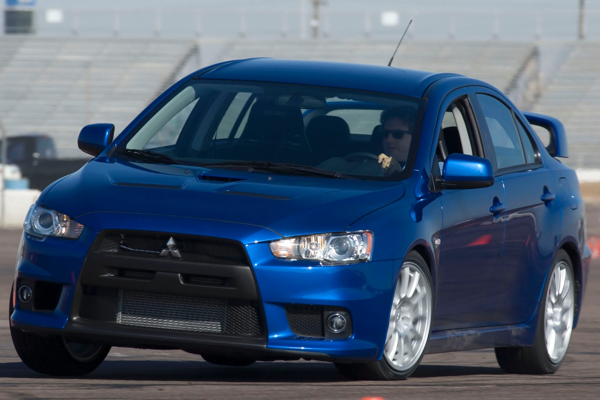 2013 mitsubishi lancer evolution image 2. Black Bedroom Furniture Sets. Home Design Ideas