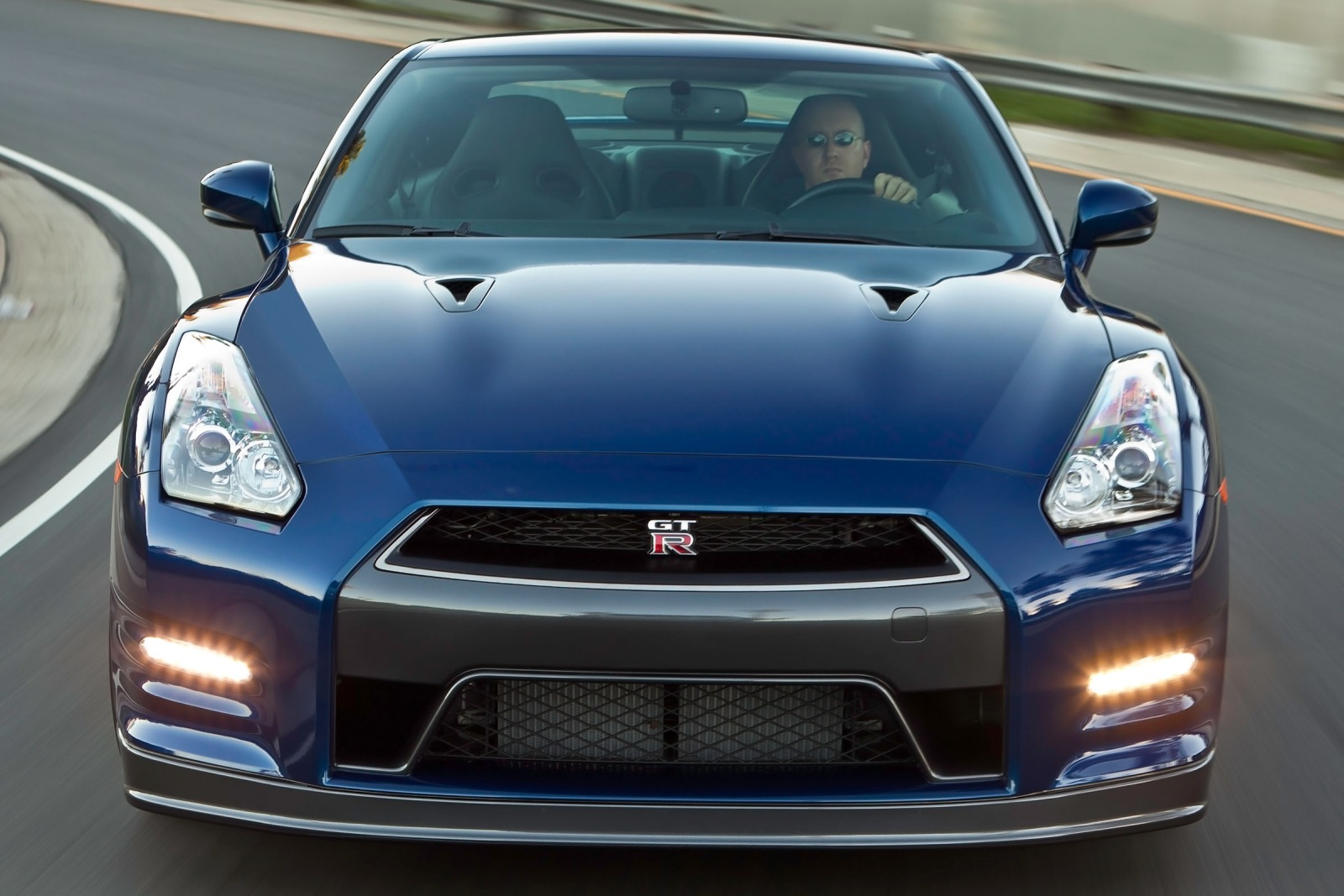 2013 Nissan GT-R Coupe 3. exterior #6