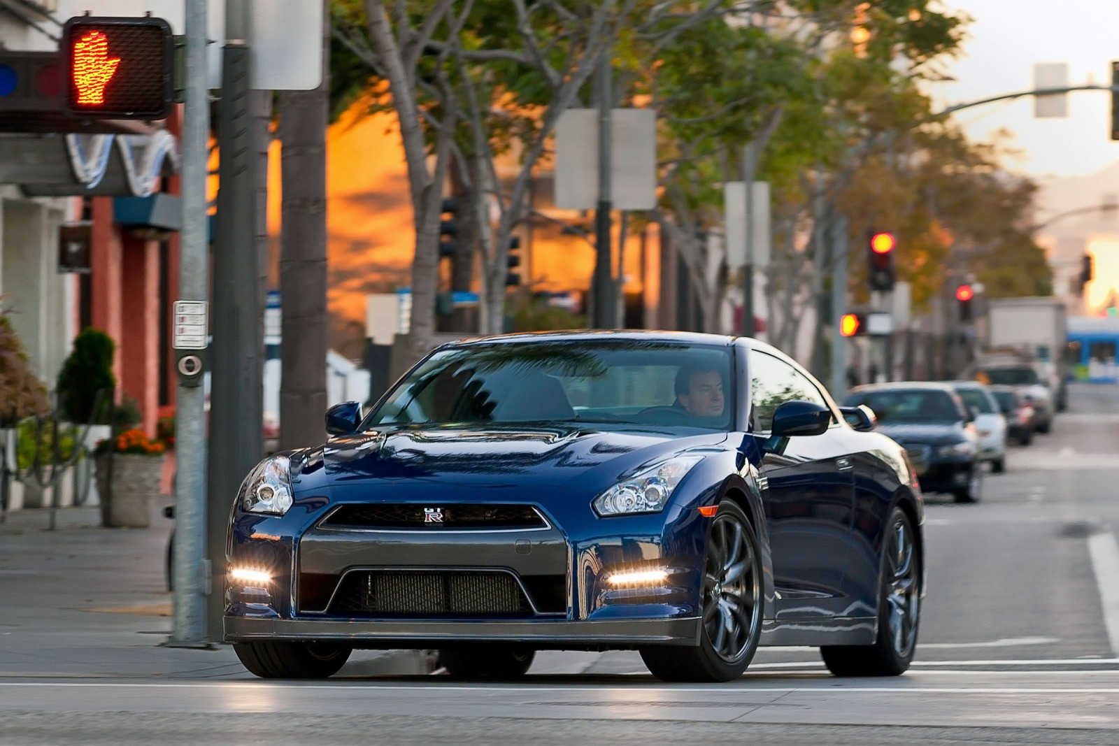 2013 Nissan GT-R Coupe 3. exterior #1