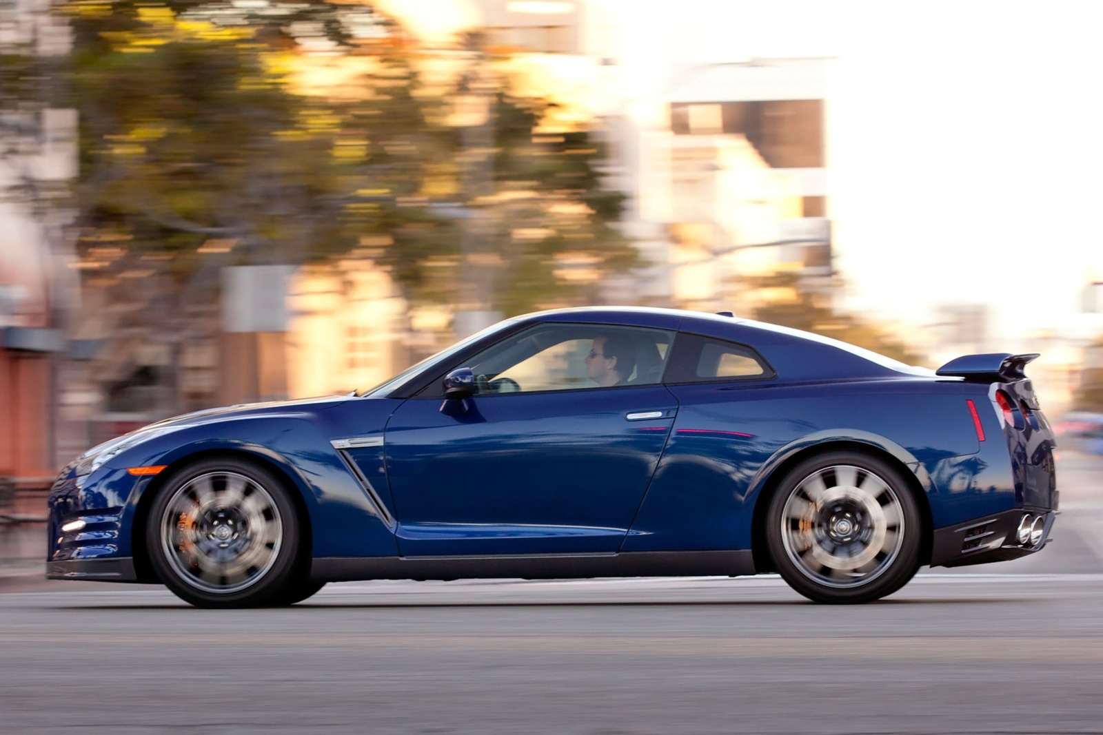 2013 Nissan GT-R Coupe 3. exterior #3