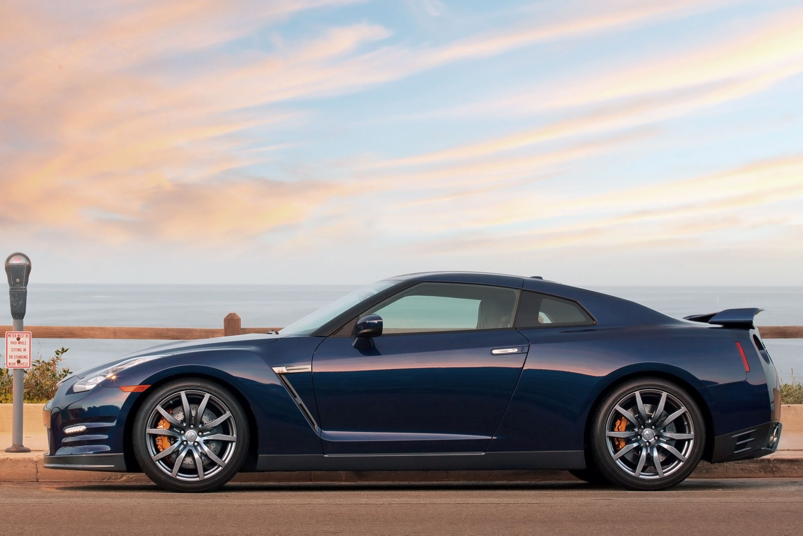 2013 Nissan GT-R Coupe 3. exterior #4