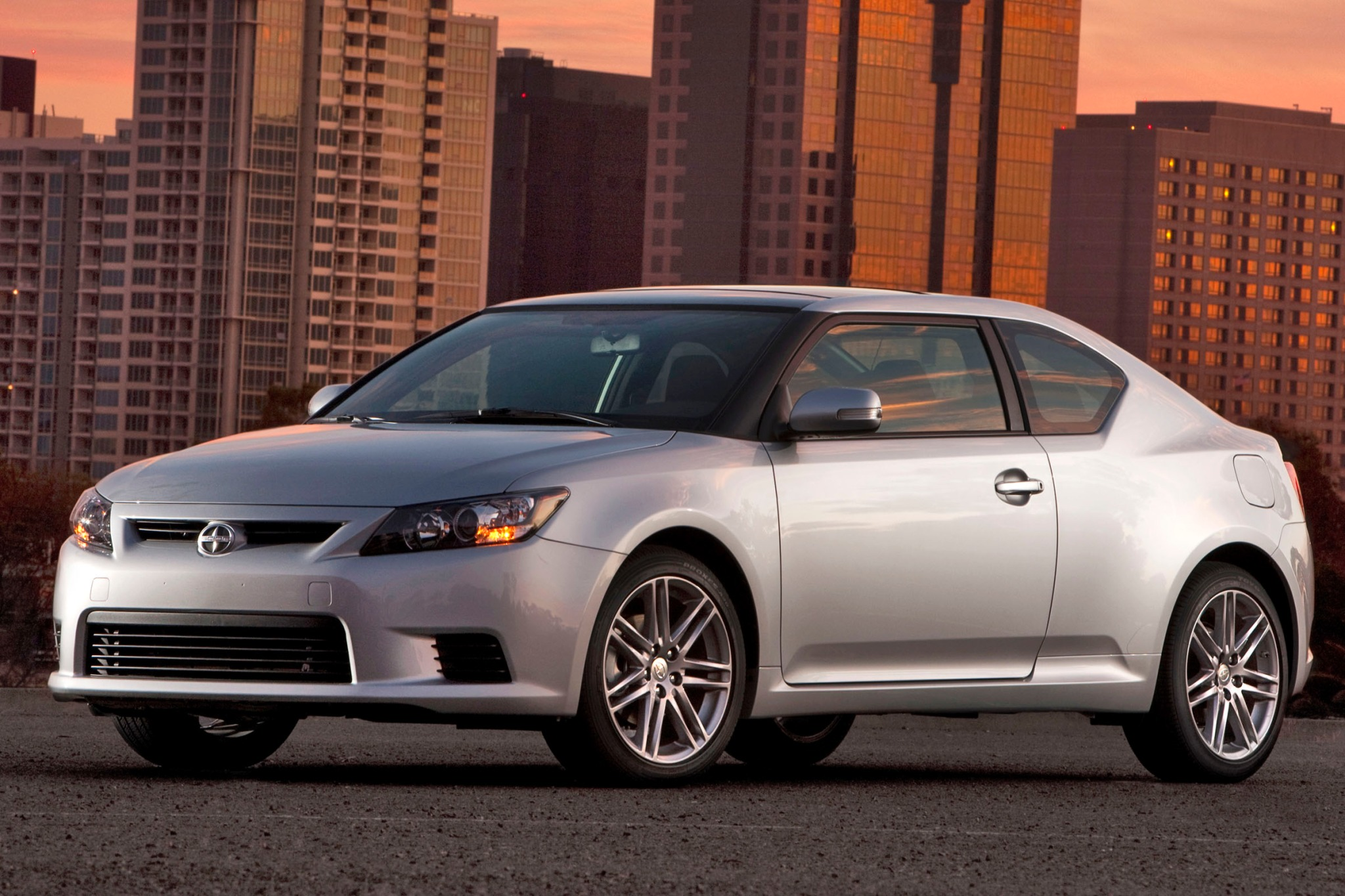 2013 Scion tC 2dr Hatchba exterior #4