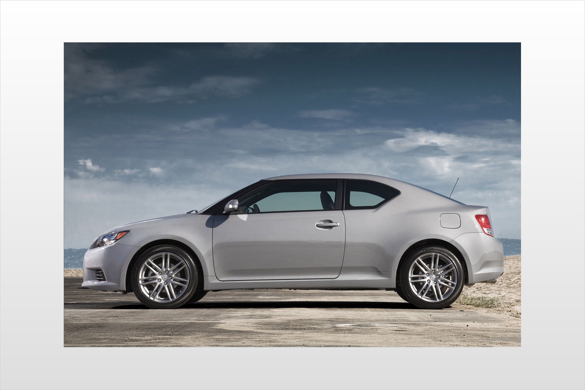 2013 Scion tC 2dr Hatchba exterior #8