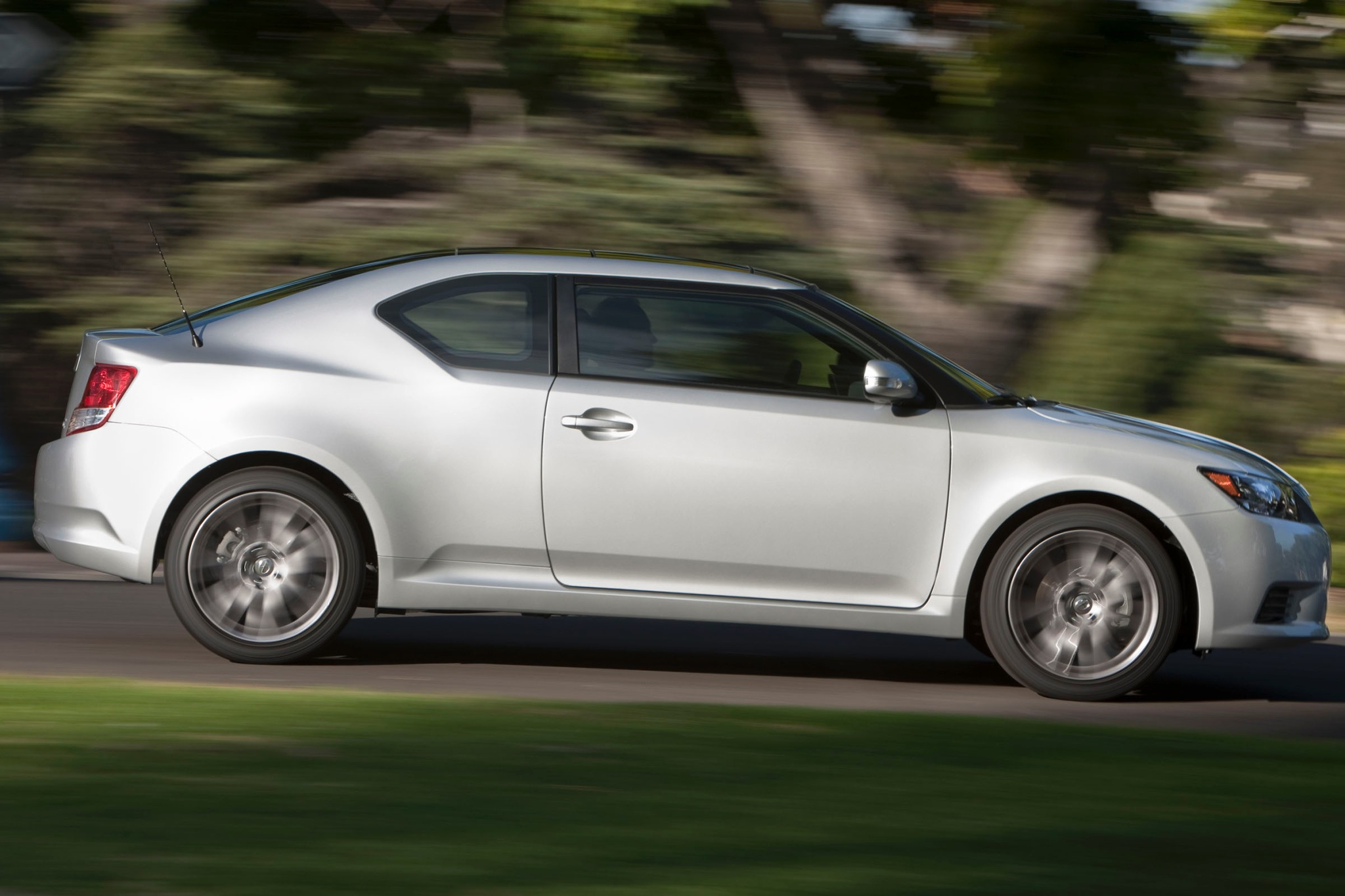 2013 Scion tC 2dr Hatchba exterior #9