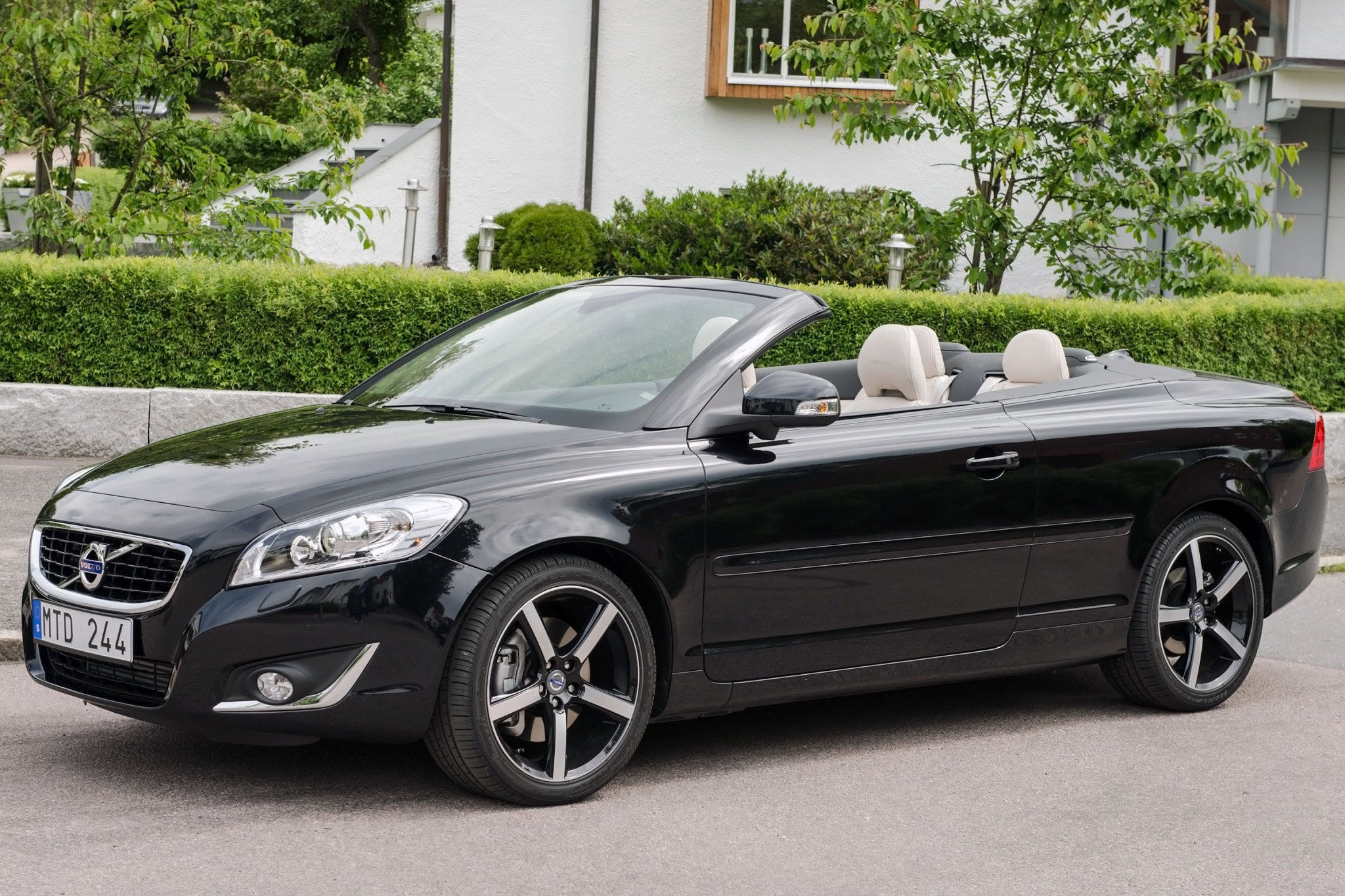 convertible review of expert used volvo vehicle