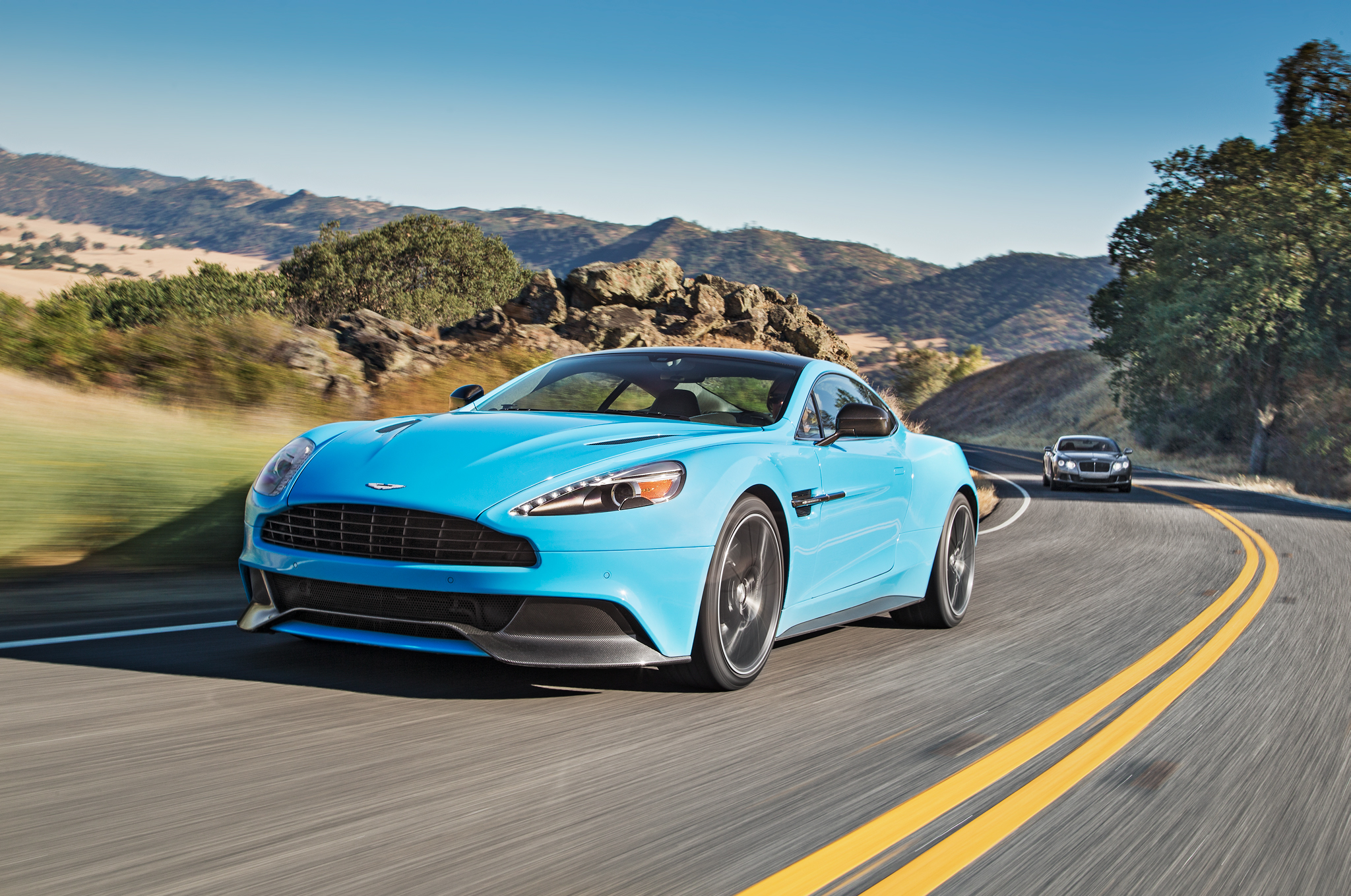 2014 aston martin vanquish - information and photos - zombiedrive