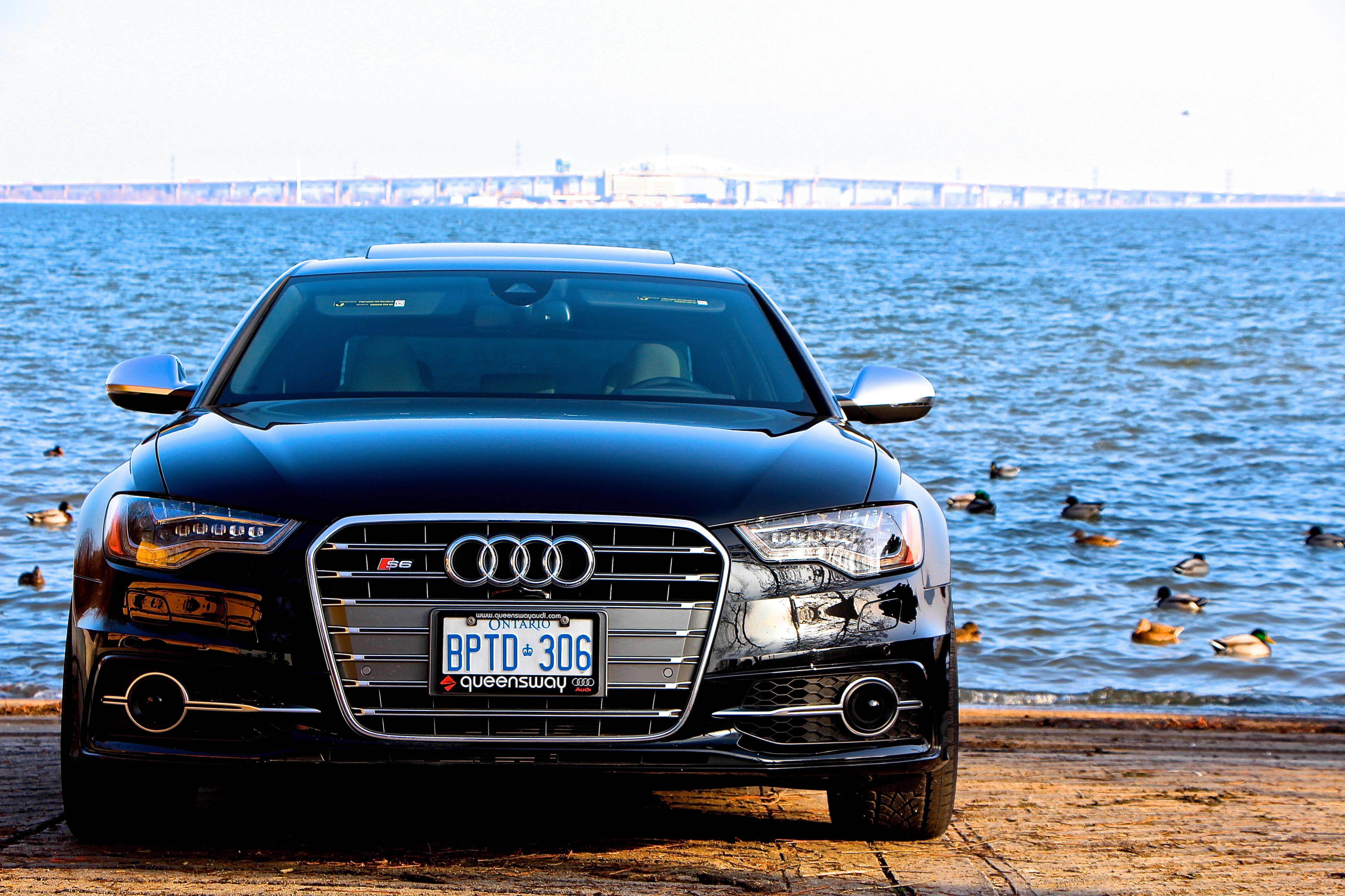 2014 Audi S6 Image 11