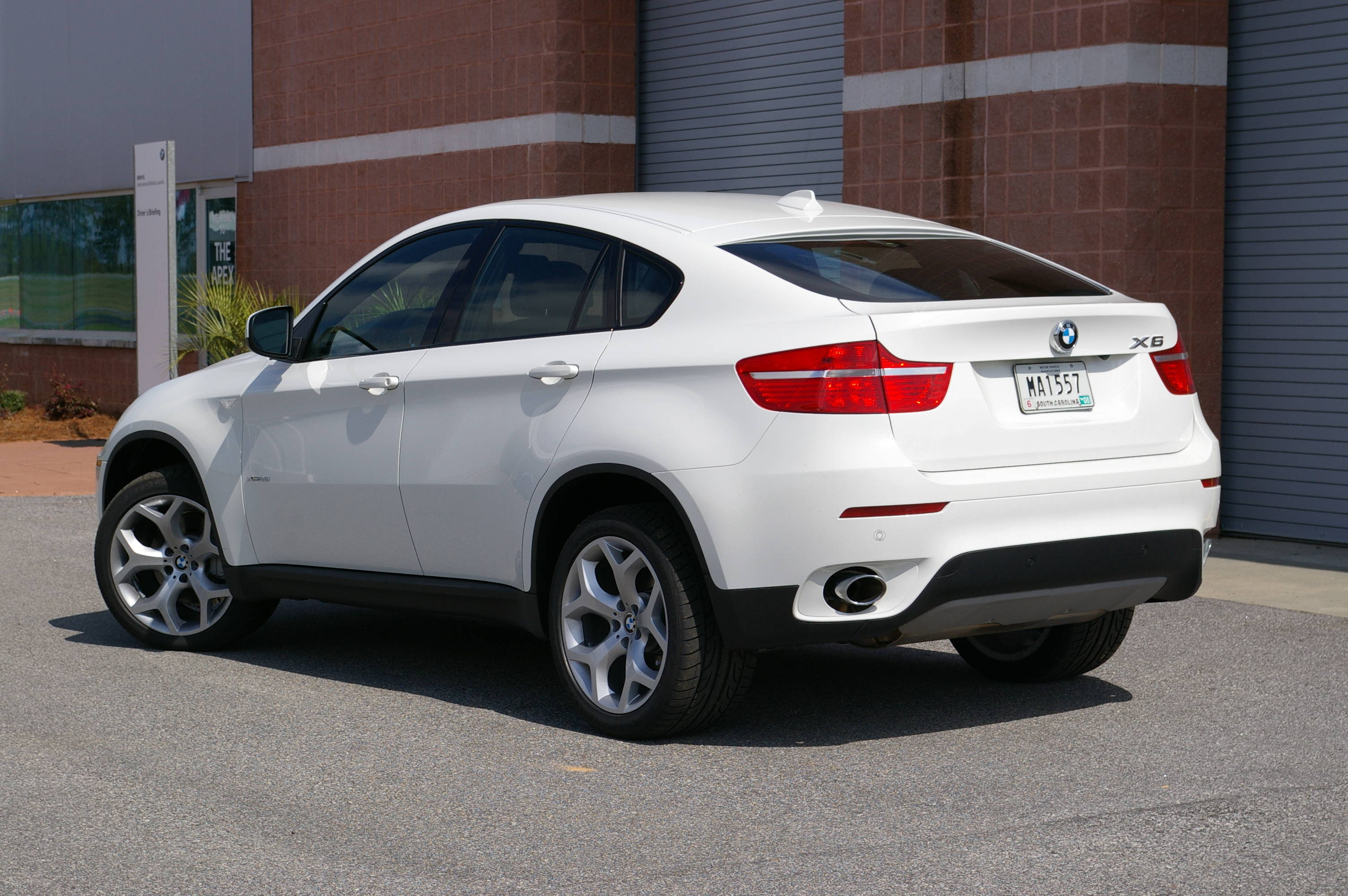 2014 BMW X6 - Information and photos - ZombieDrive