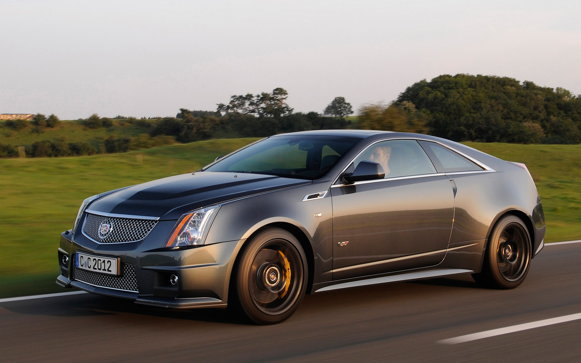 2014 cadillac cts v coupe information and photos zombiedrive. Black Bedroom Furniture Sets. Home Design Ideas