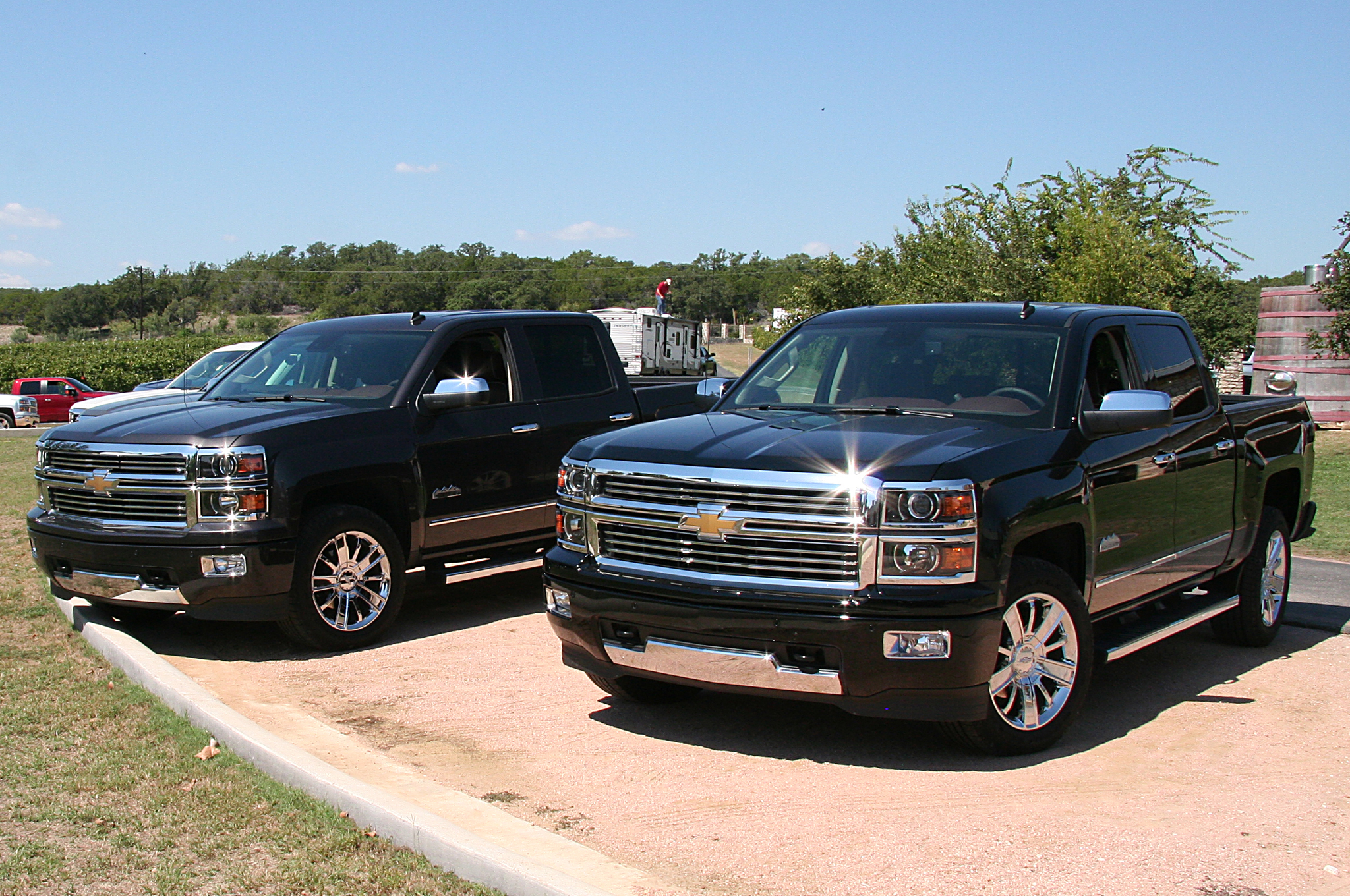 2014 chevrolet silverado 1500 information and photos zombiedrive. Cars Review. Best American Auto & Cars Review