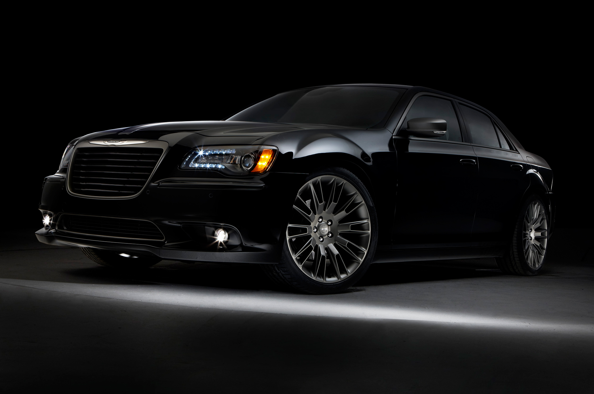 2014 Chrysler 300 #2