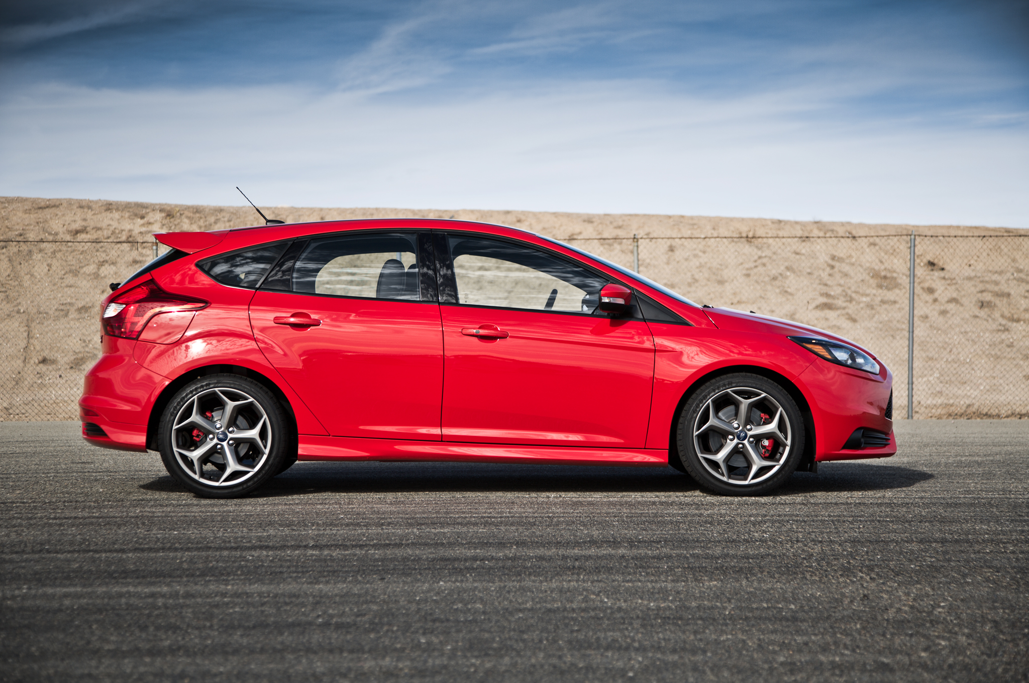 2014 ford focus st image 21