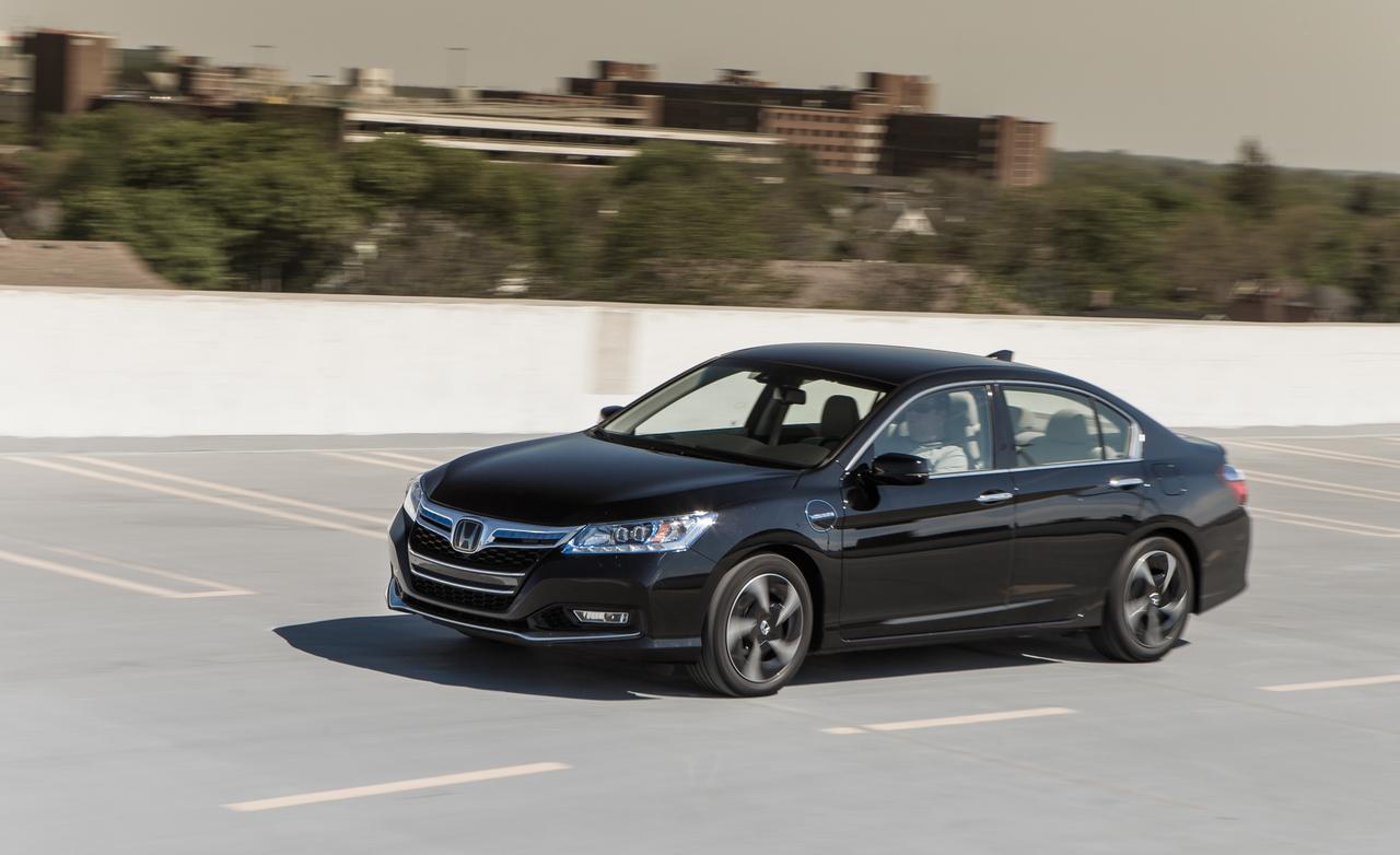 2014 Honda Accord Plug In Hybrid Image 18