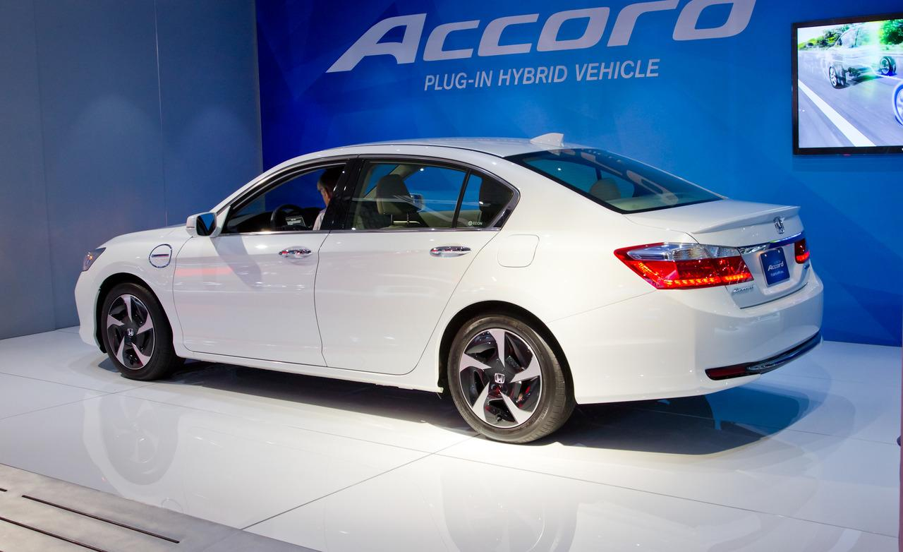 2014 Honda Accord Plug In Hybrid Image 20