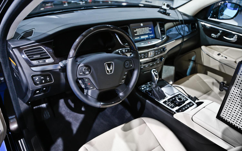 2014 Hyundai Equus - Information and photos - ZombieDrive