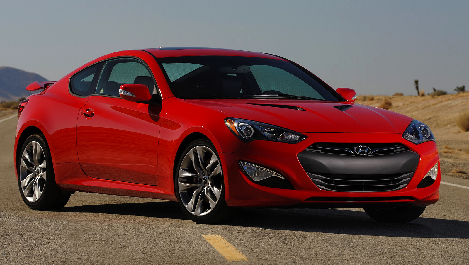 2014 hyundai genesis coupe information and photos zombiedrive. Black Bedroom Furniture Sets. Home Design Ideas
