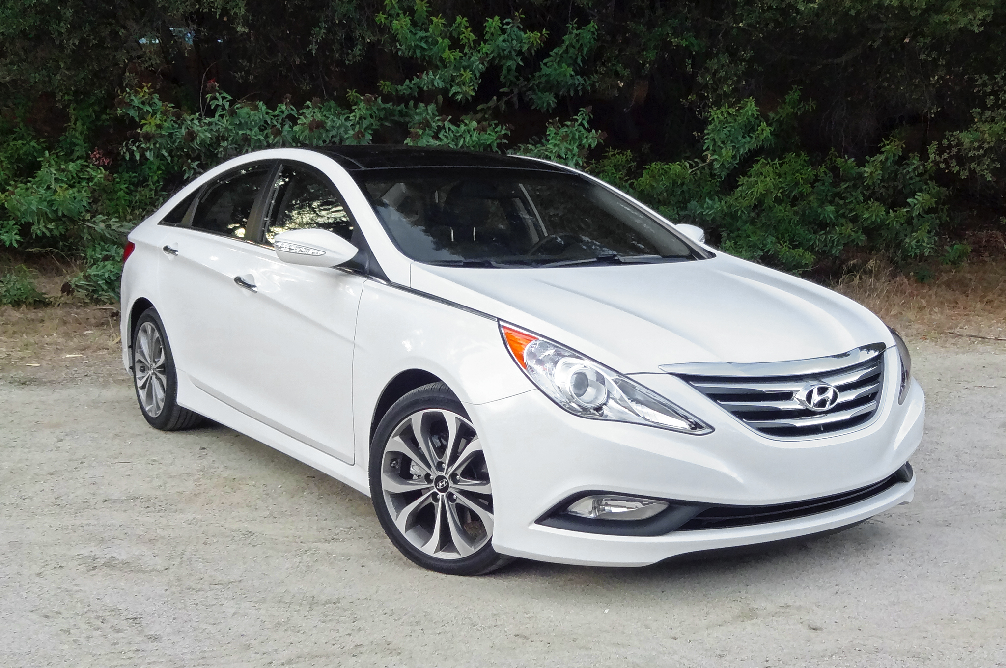 hyundai id contact kms ontario genesis occasion fr d coupe concord with vehicle car direct stock deals used