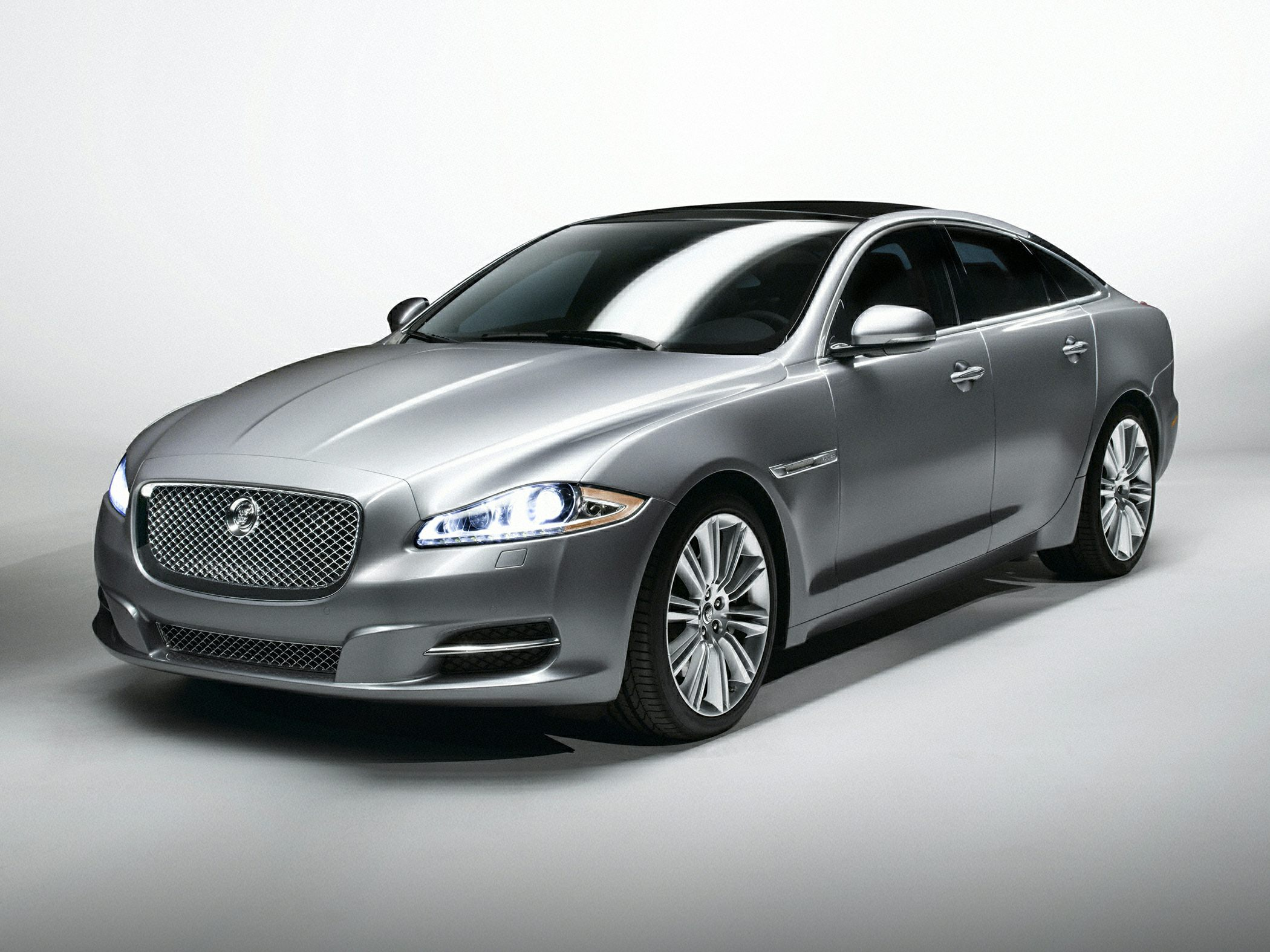 condition used hyundai xjl at amazing drummondville sale jaguar for
