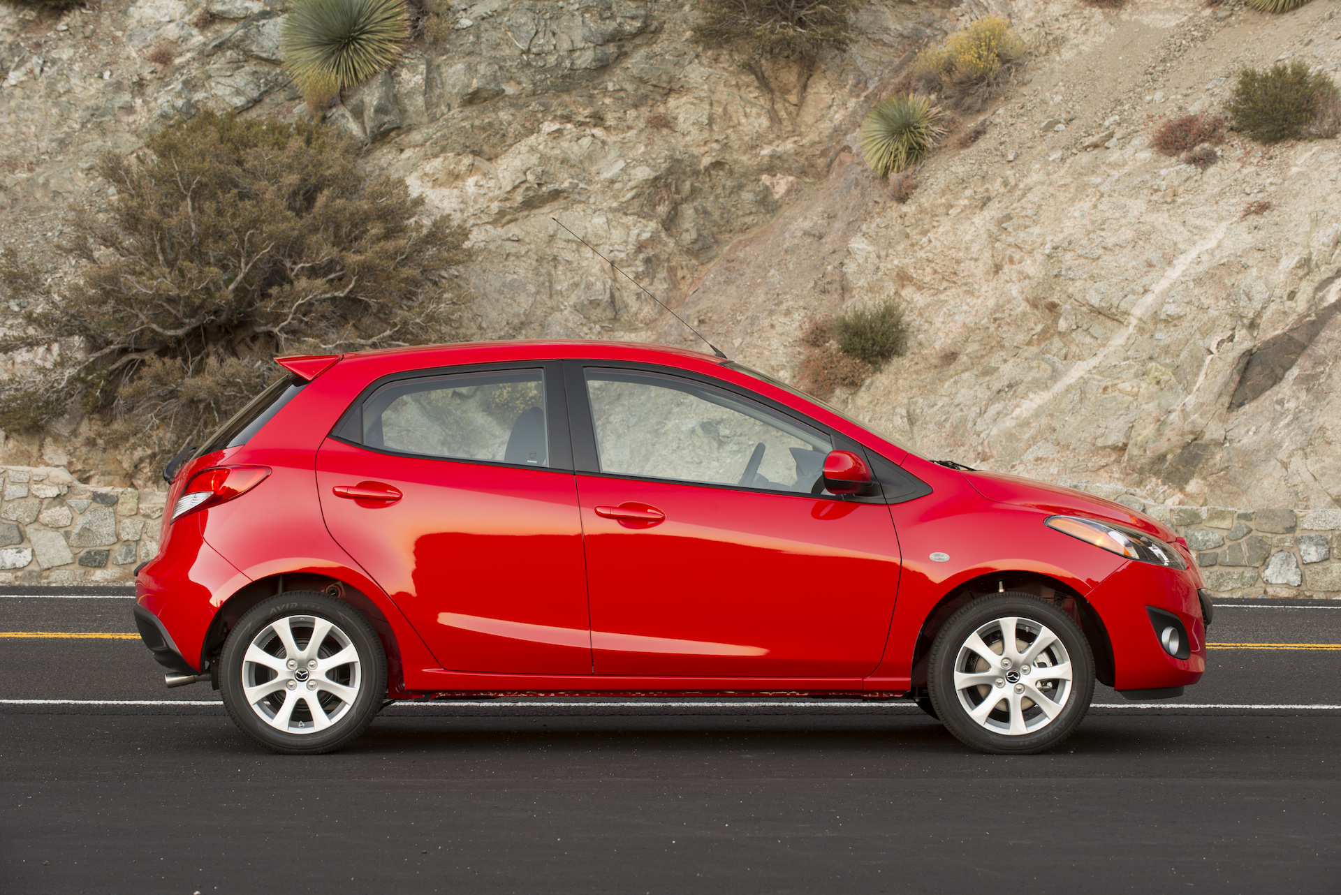2014 mazda mazda2 - information and photos - zombiedrive