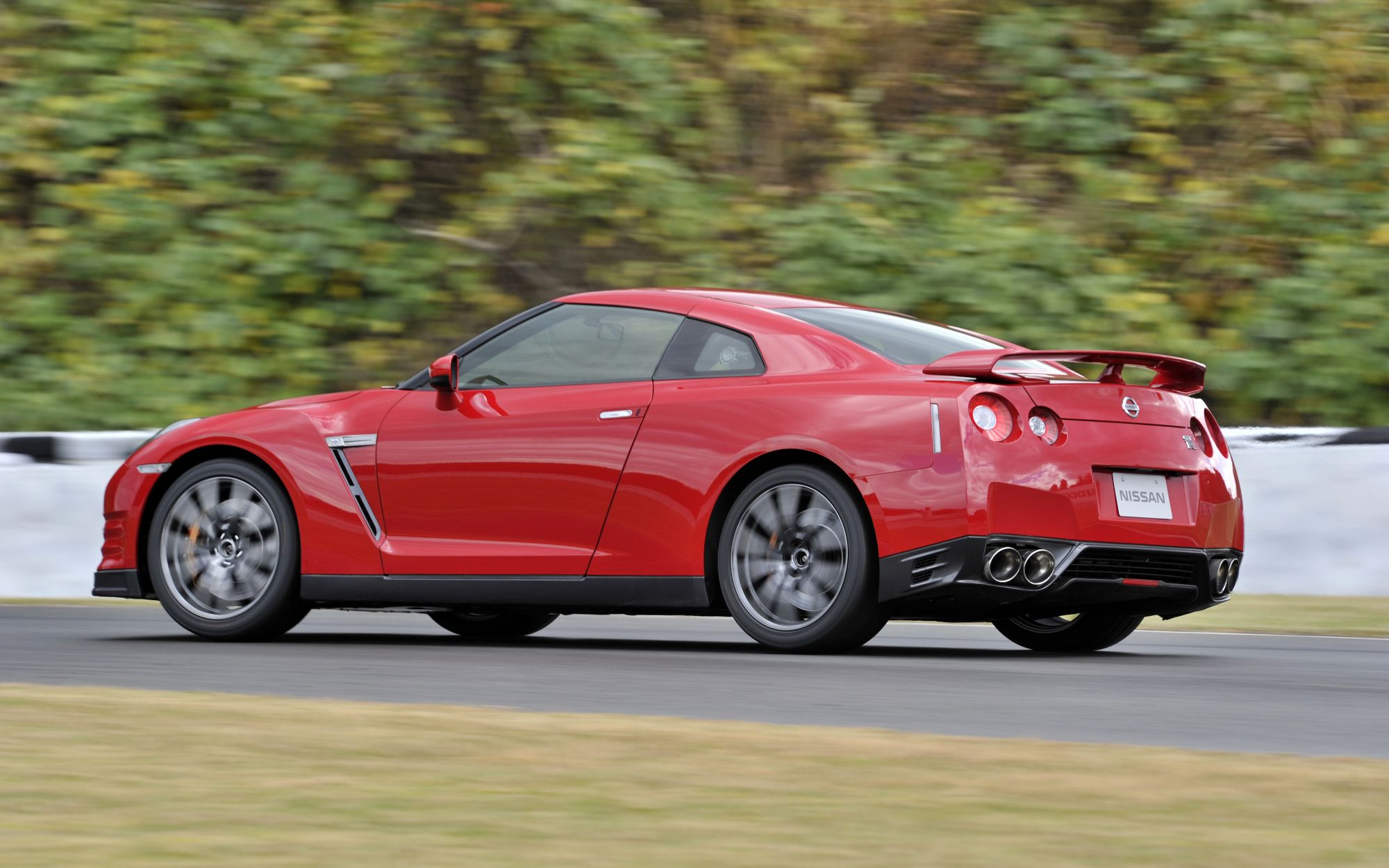 2014 Nissan GT-R - Information and photos - ZombieDrive