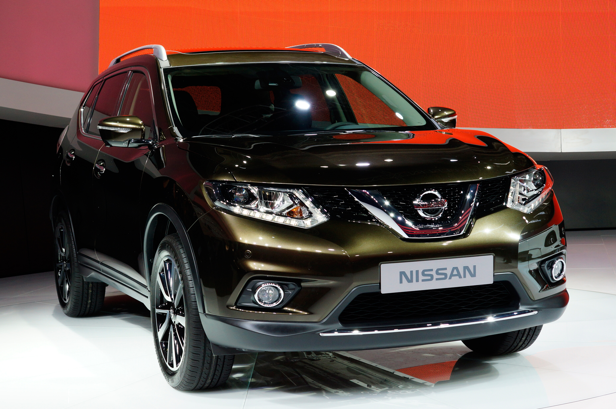 of nissan store rogue view model