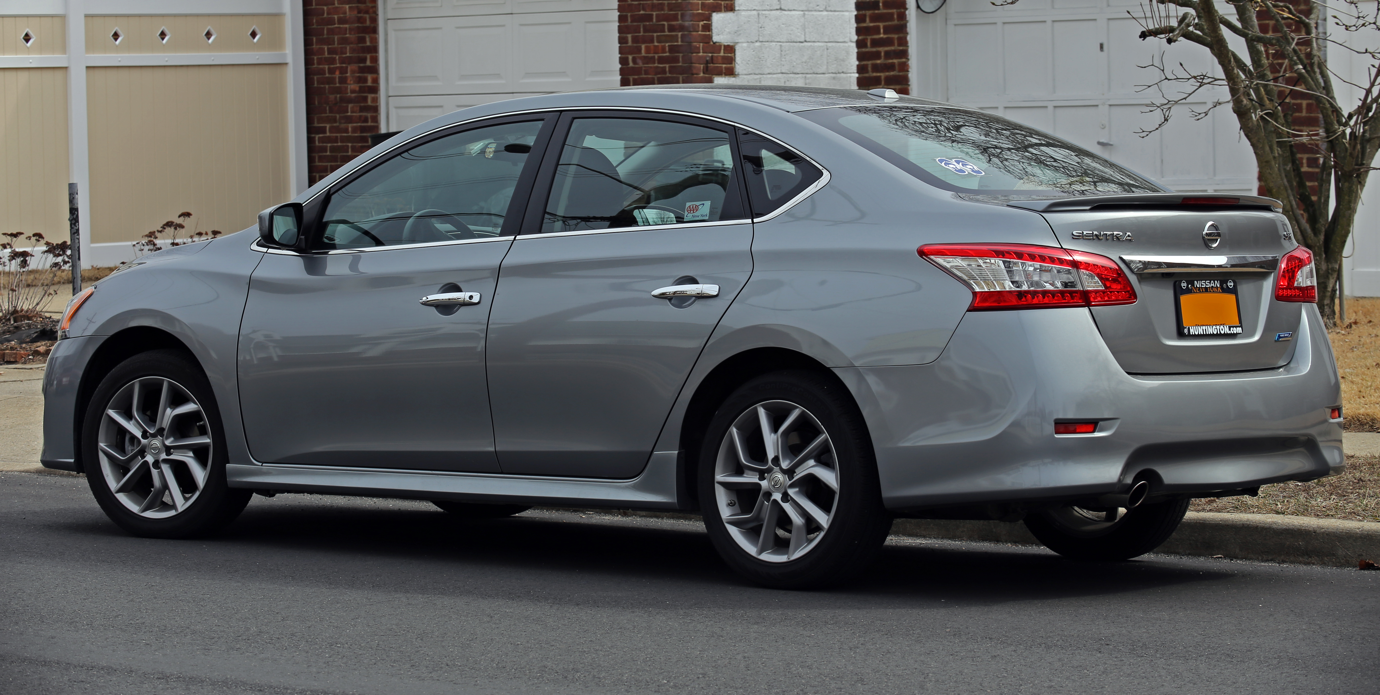 2014 nissan sentra - information and photos - zombiedrive
