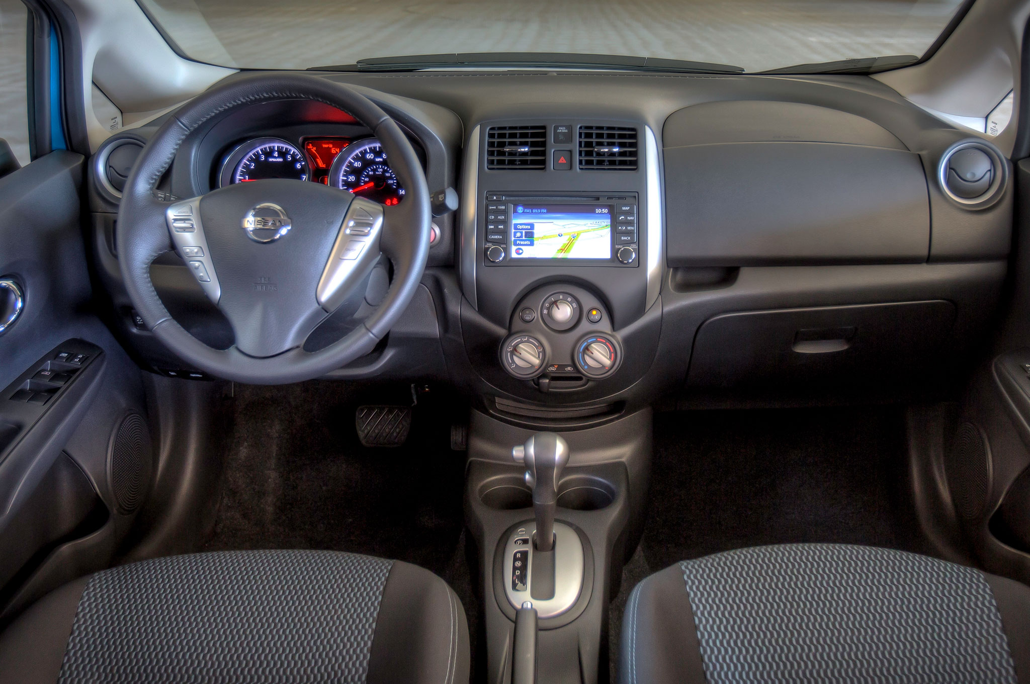 note versa photo interior photos com automotive nissan cockpit