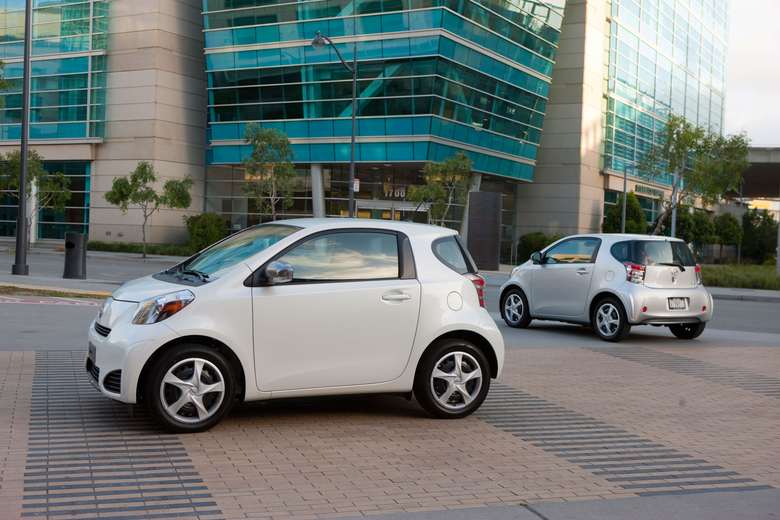 Scion iQ #16
