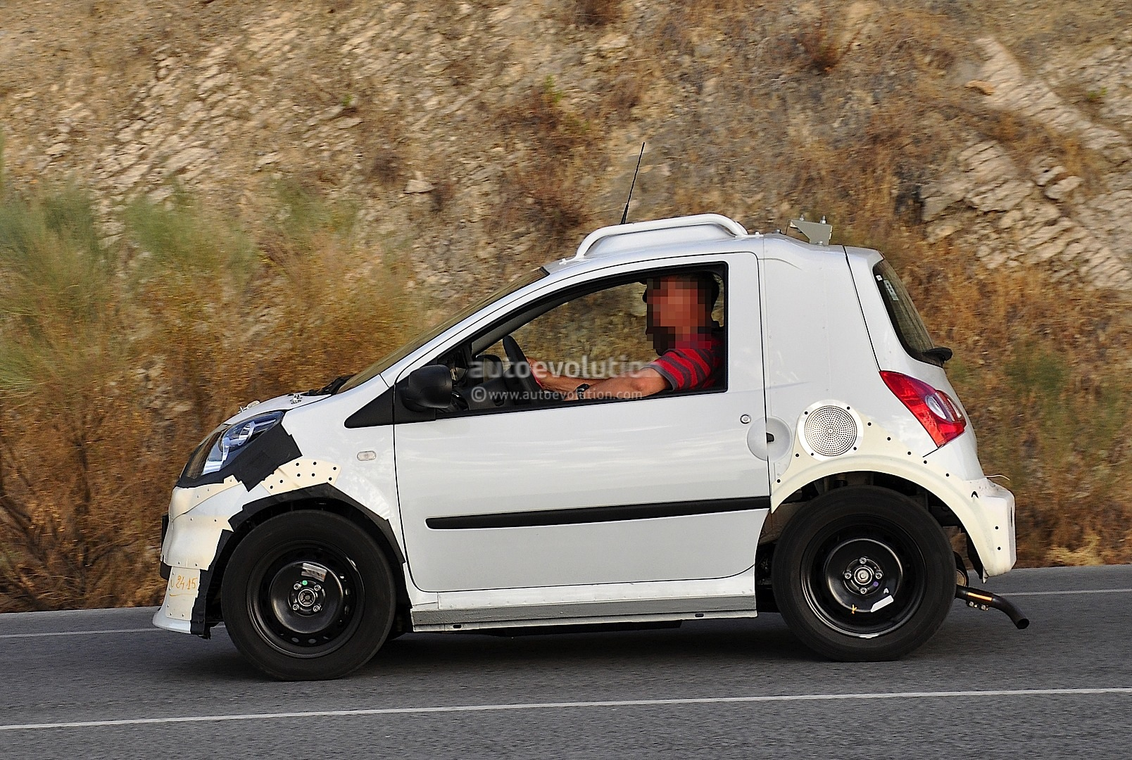 2014 SMART FORTWO - Image #12
